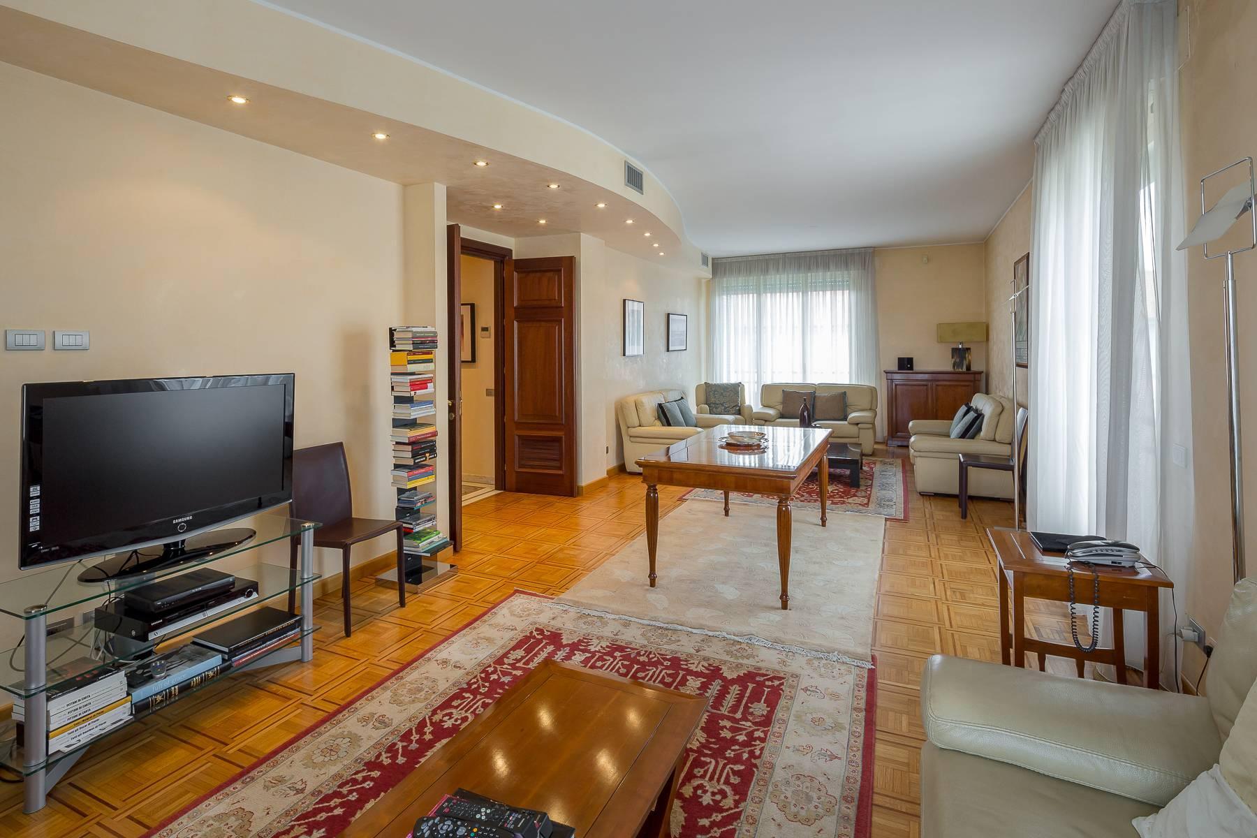 Schöne möblierte Wohnung im Buonarroti Stadtviertel - 2