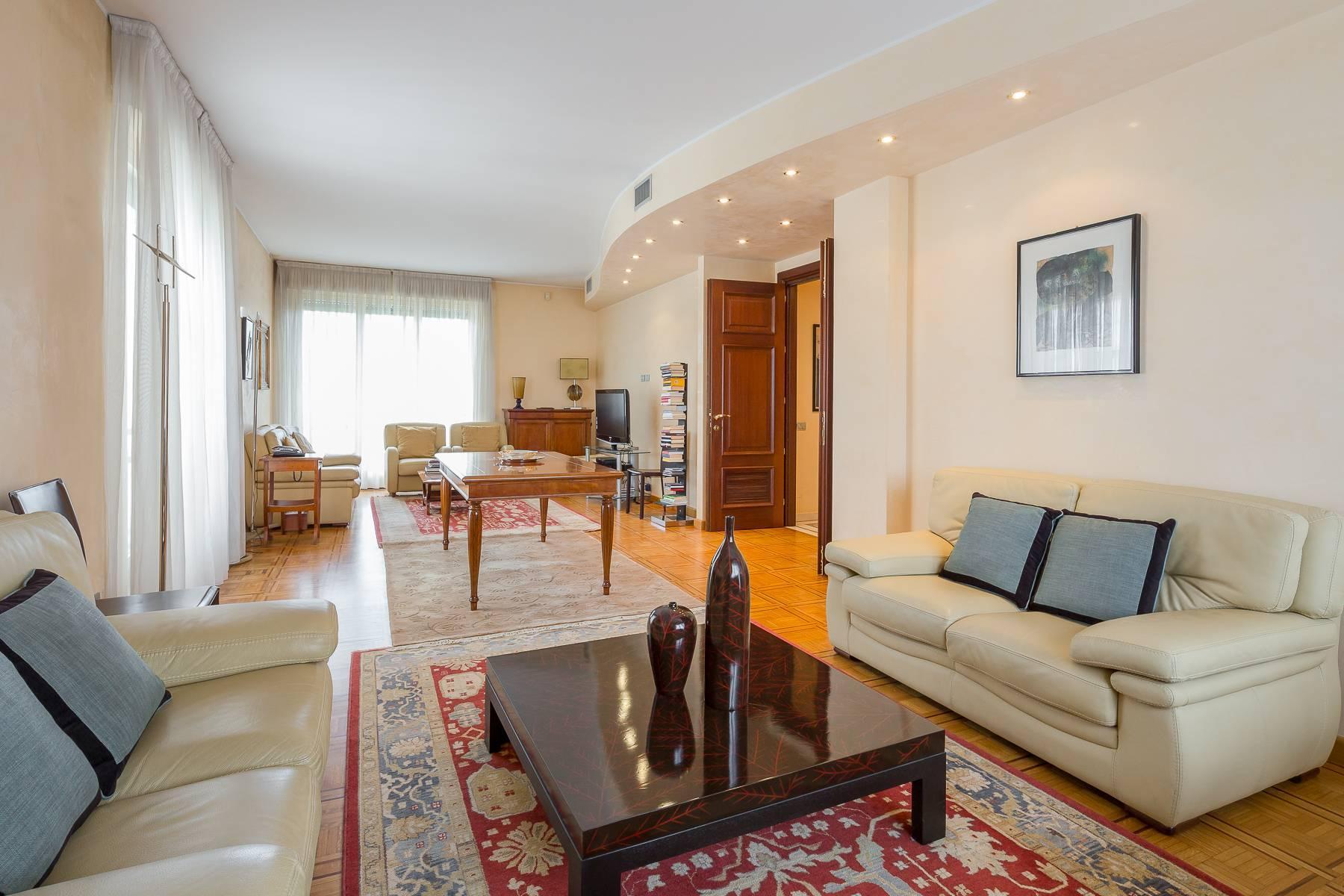 Schöne möblierte Wohnung im Buonarroti Stadtviertel - 1