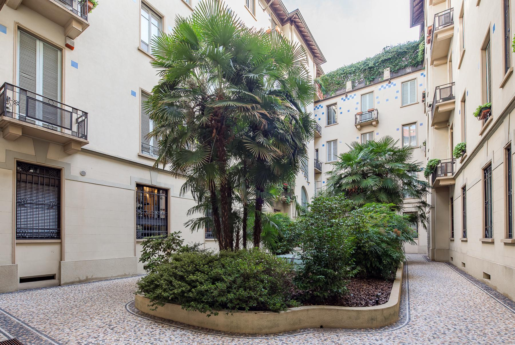 Charming penthouse with roof terrace in an elegant historic building - 23