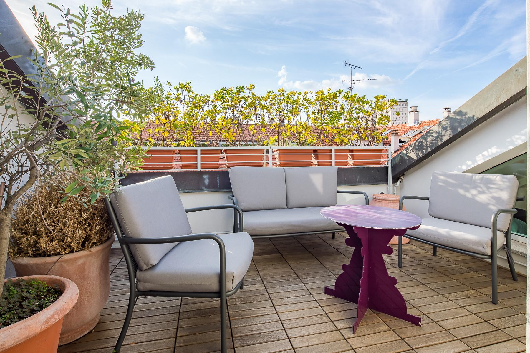 Charming penthouse with roof terrace in an elegant historic building - 2