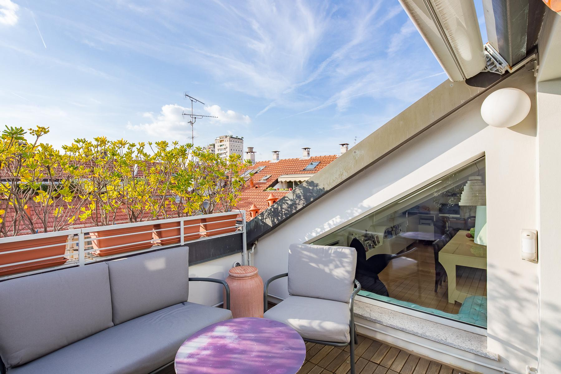 Charming penthouse with roof terrace in an elegant historic building - 1