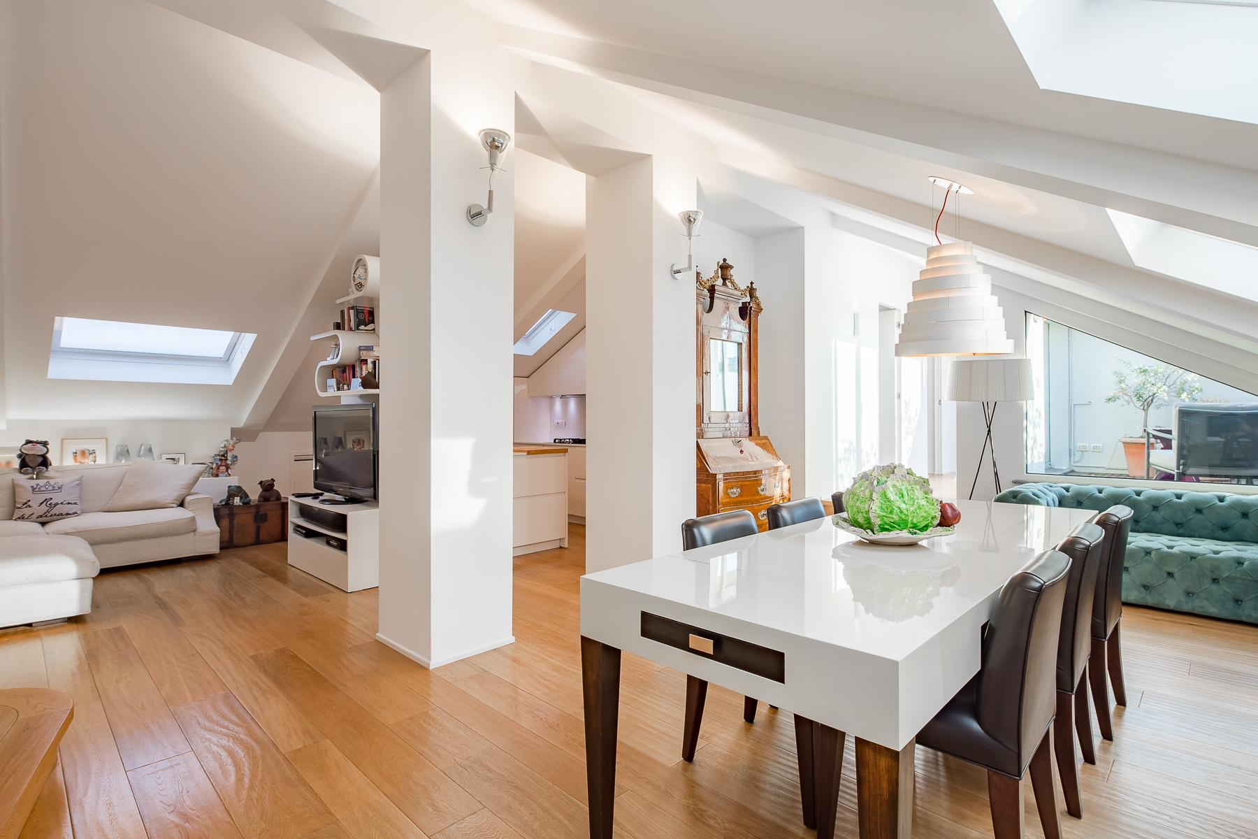Charming penthouse with roof terrace in an elegant historic building - 6