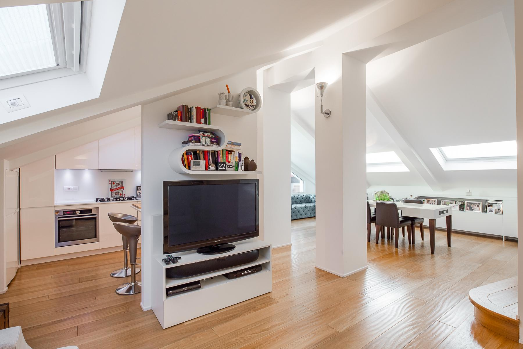Charming penthouse with roof terrace in an elegant historic building - 10
