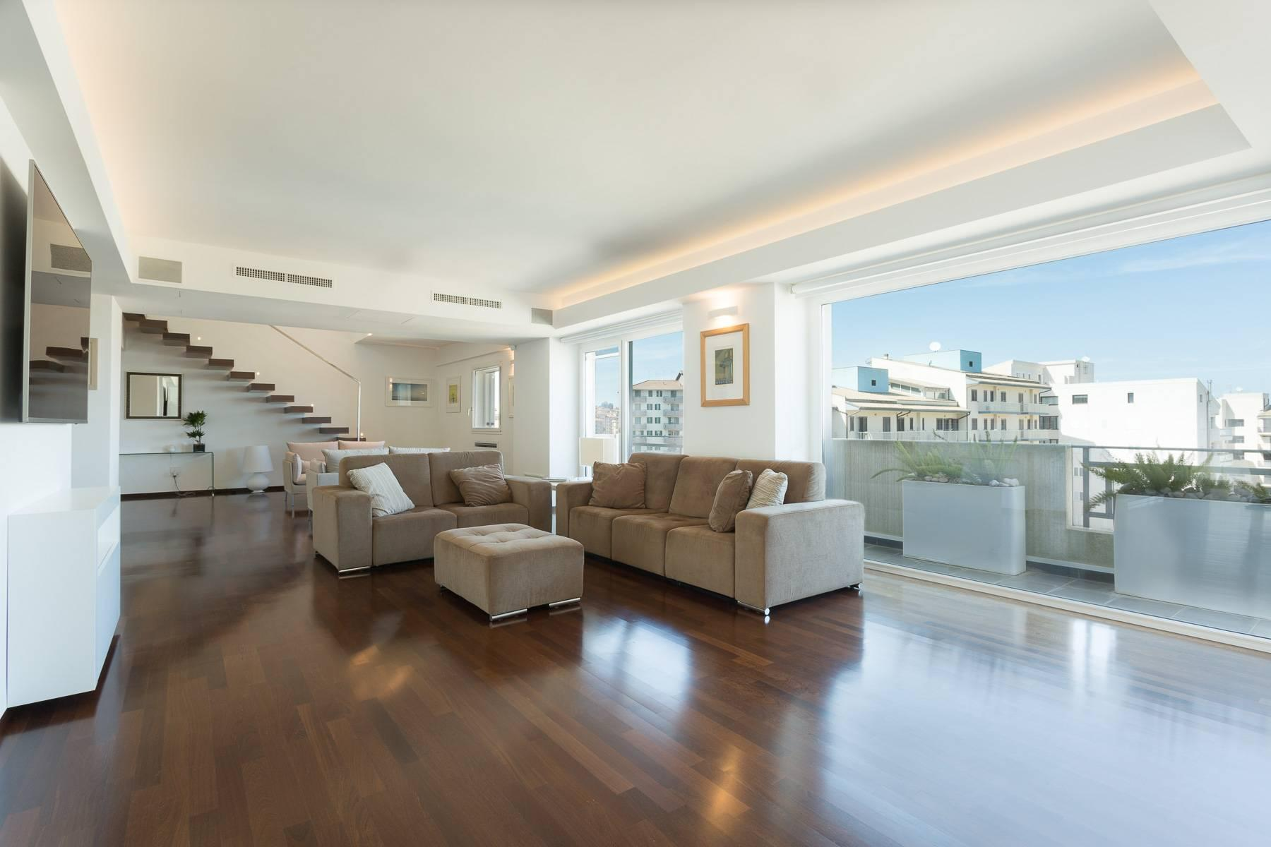 Exclusive penthouse with panoramic view - 4