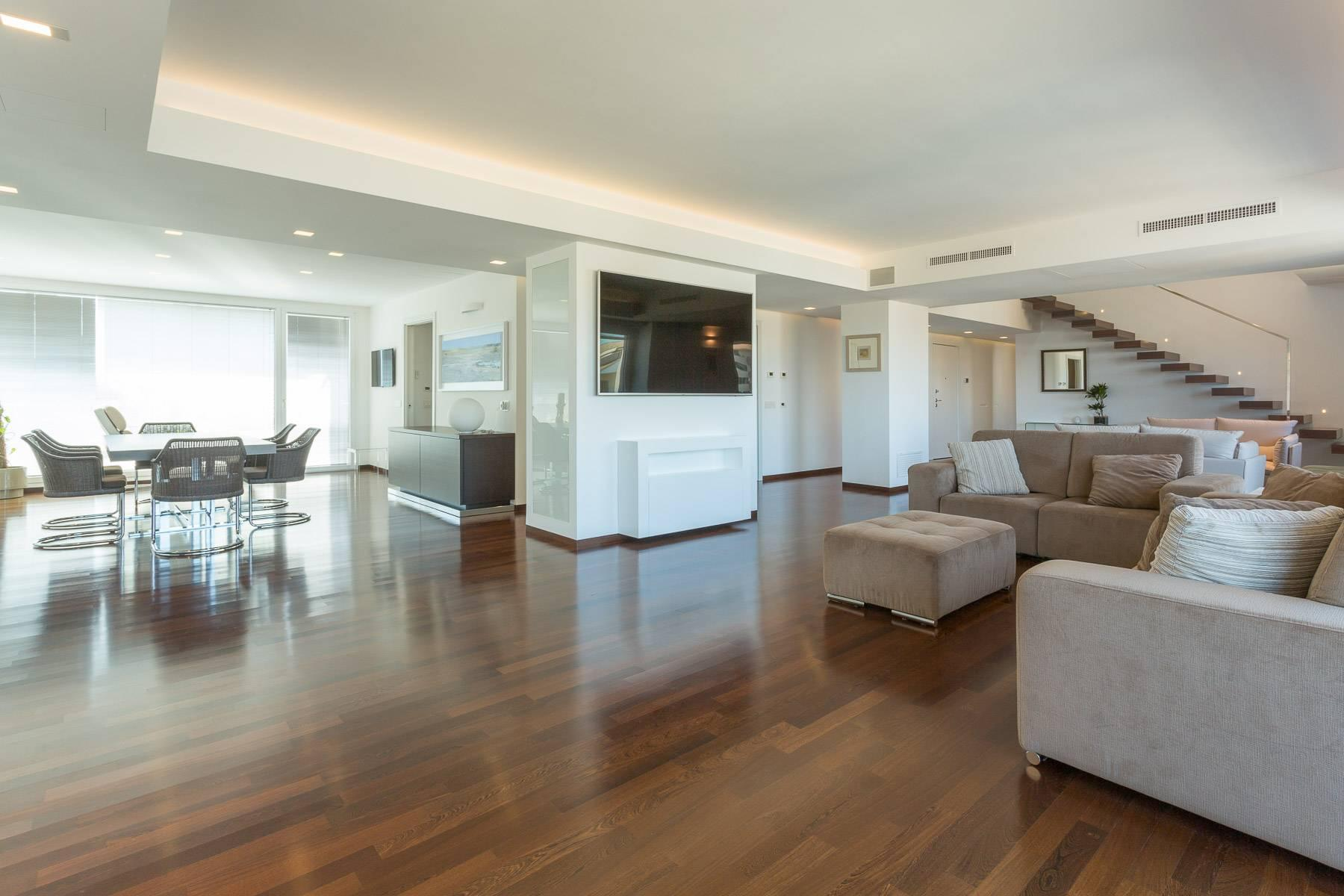Exclusive penthouse with panoramic view - 1