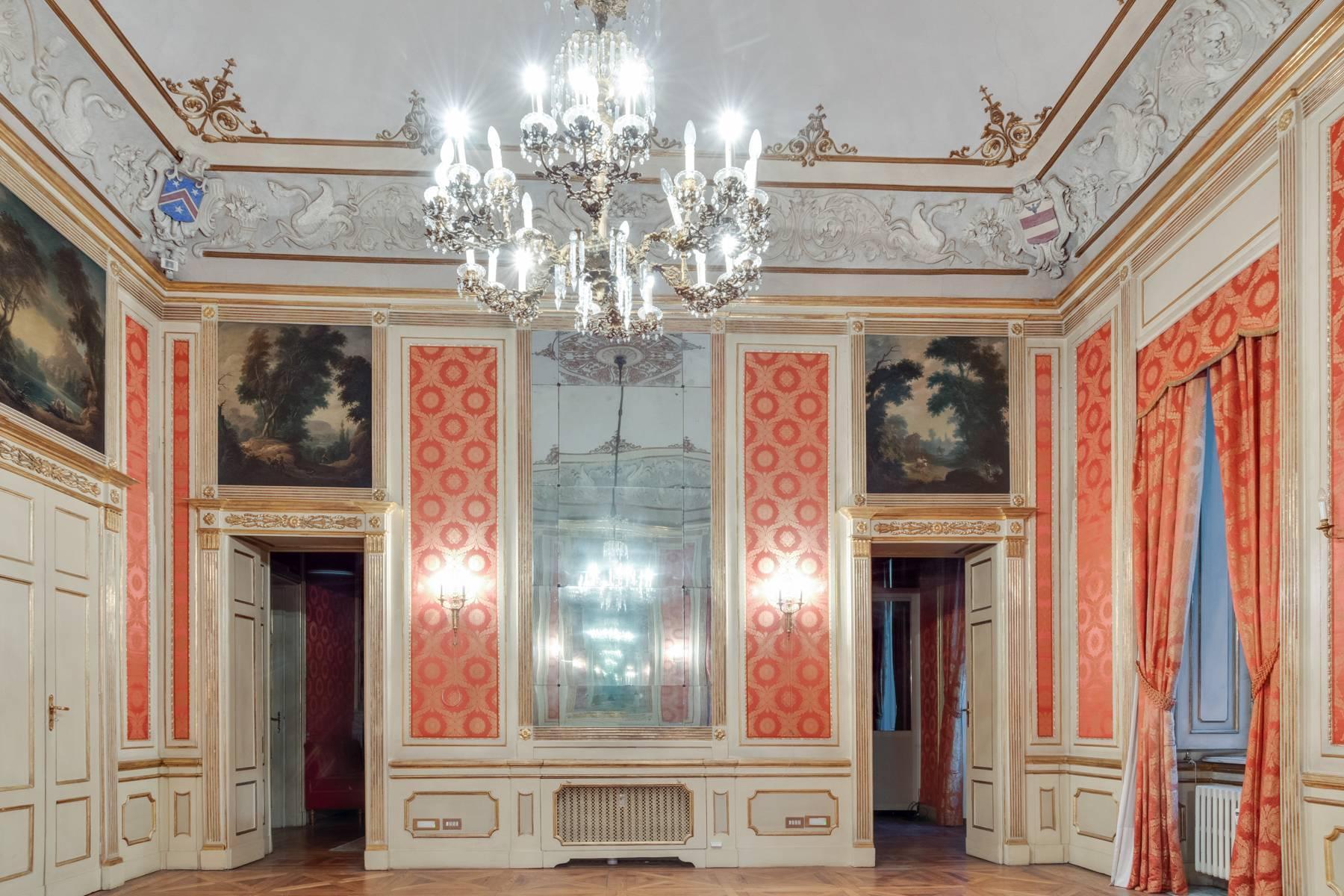 Elegant apartment in historical Palazzo - 13