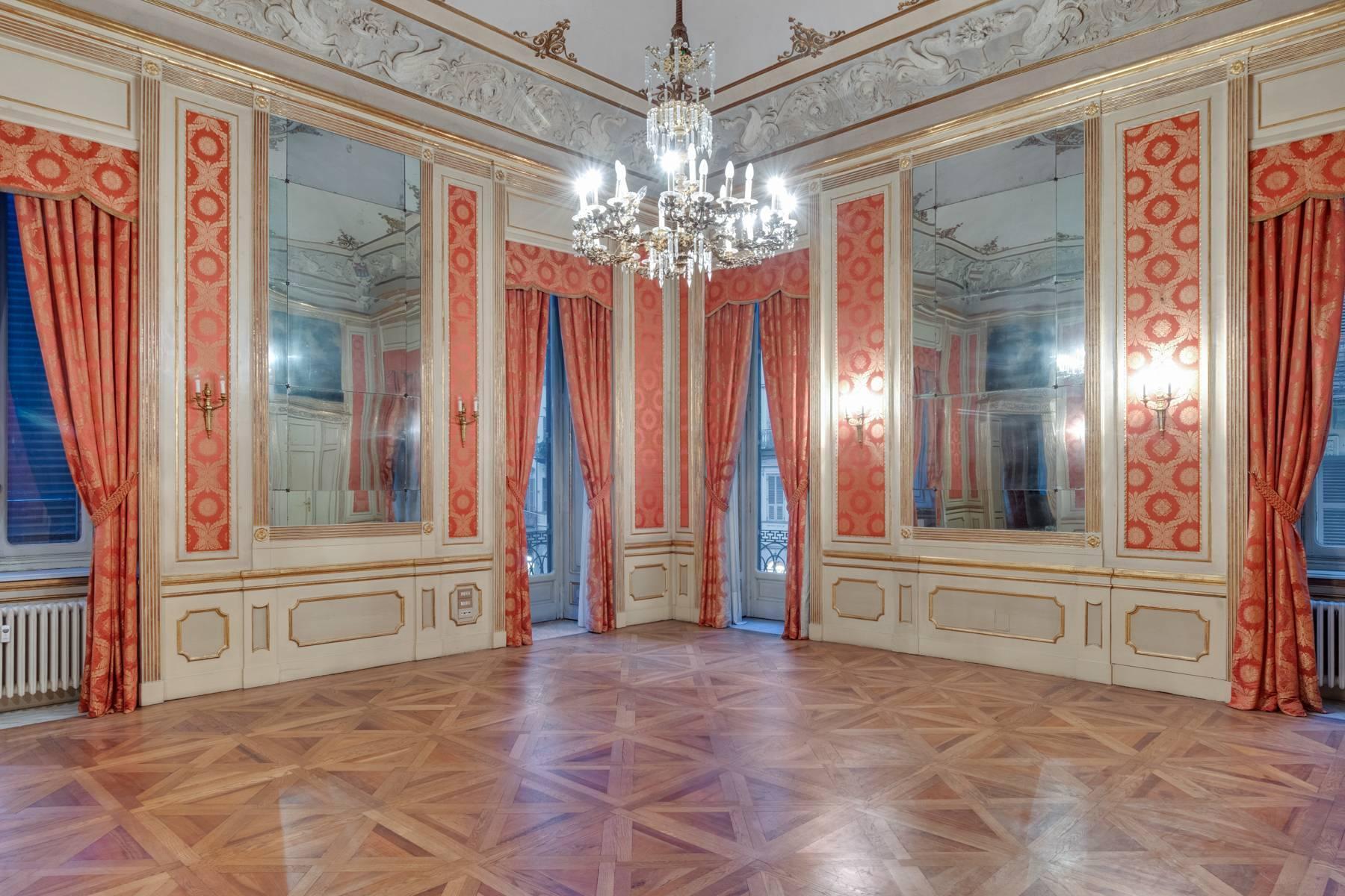 Elegant apartment in historical Palazzo - 14