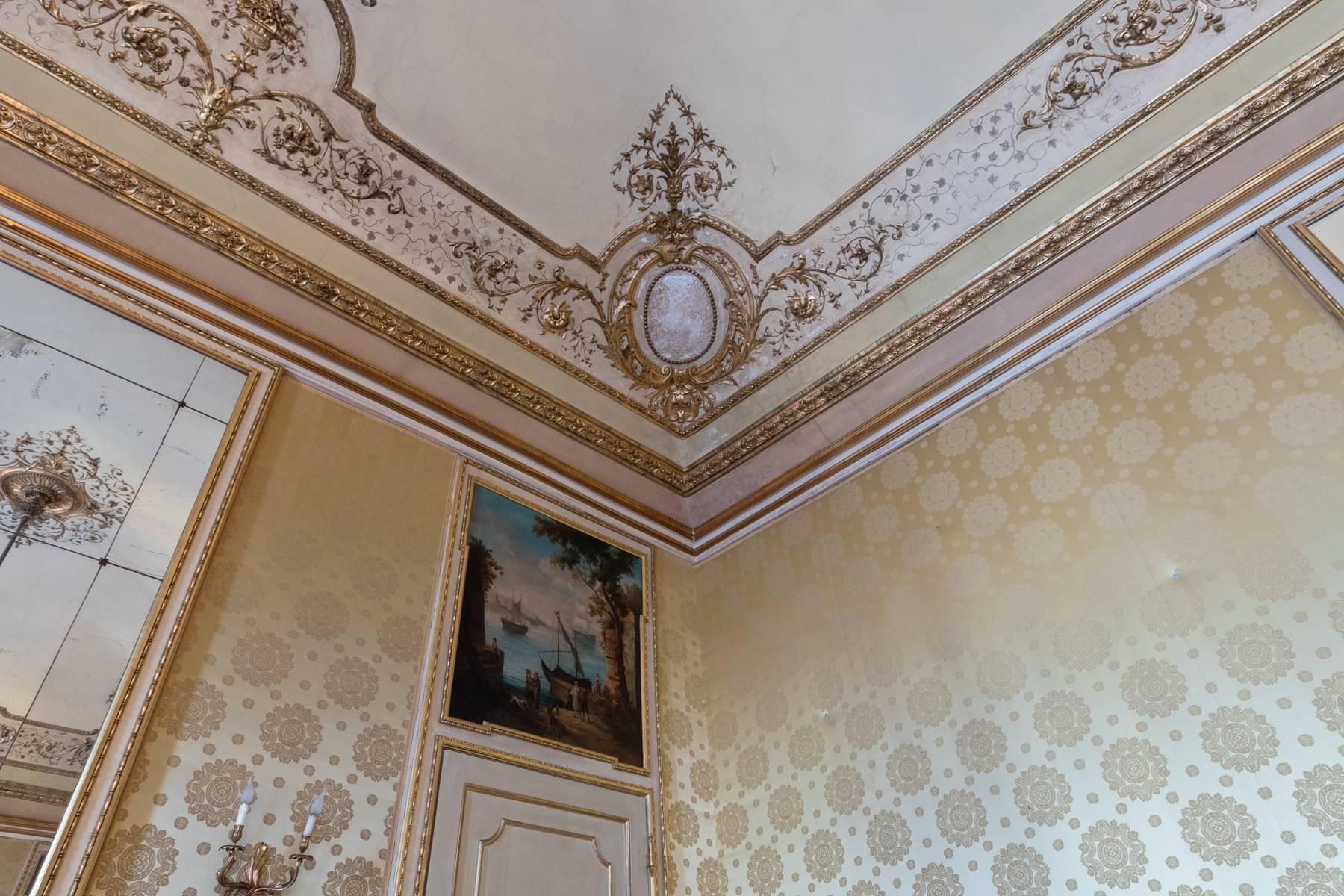Elegant apartment in historical Palazzo - 11