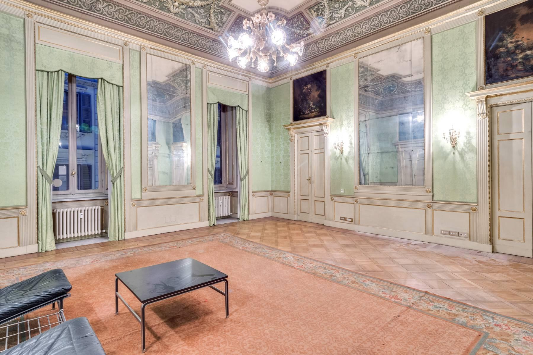 Elegant apartment in historical Palazzo - 10