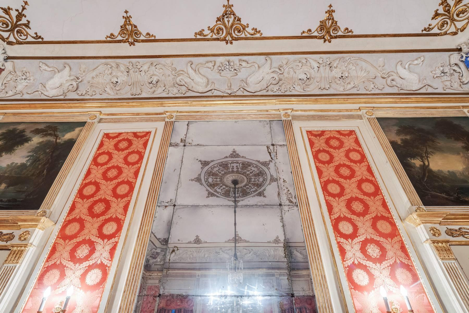 Elegant apartment in historical Palazzo - 15