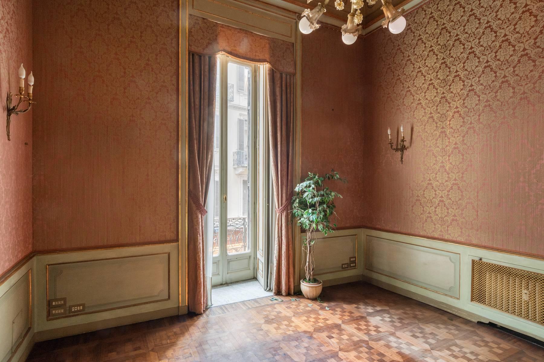 Elegant apartment in historical Palazzo - 19
