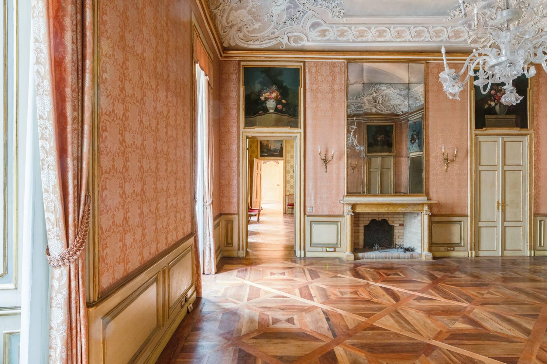 Luxus-Wohnung im historischen Palast - 12