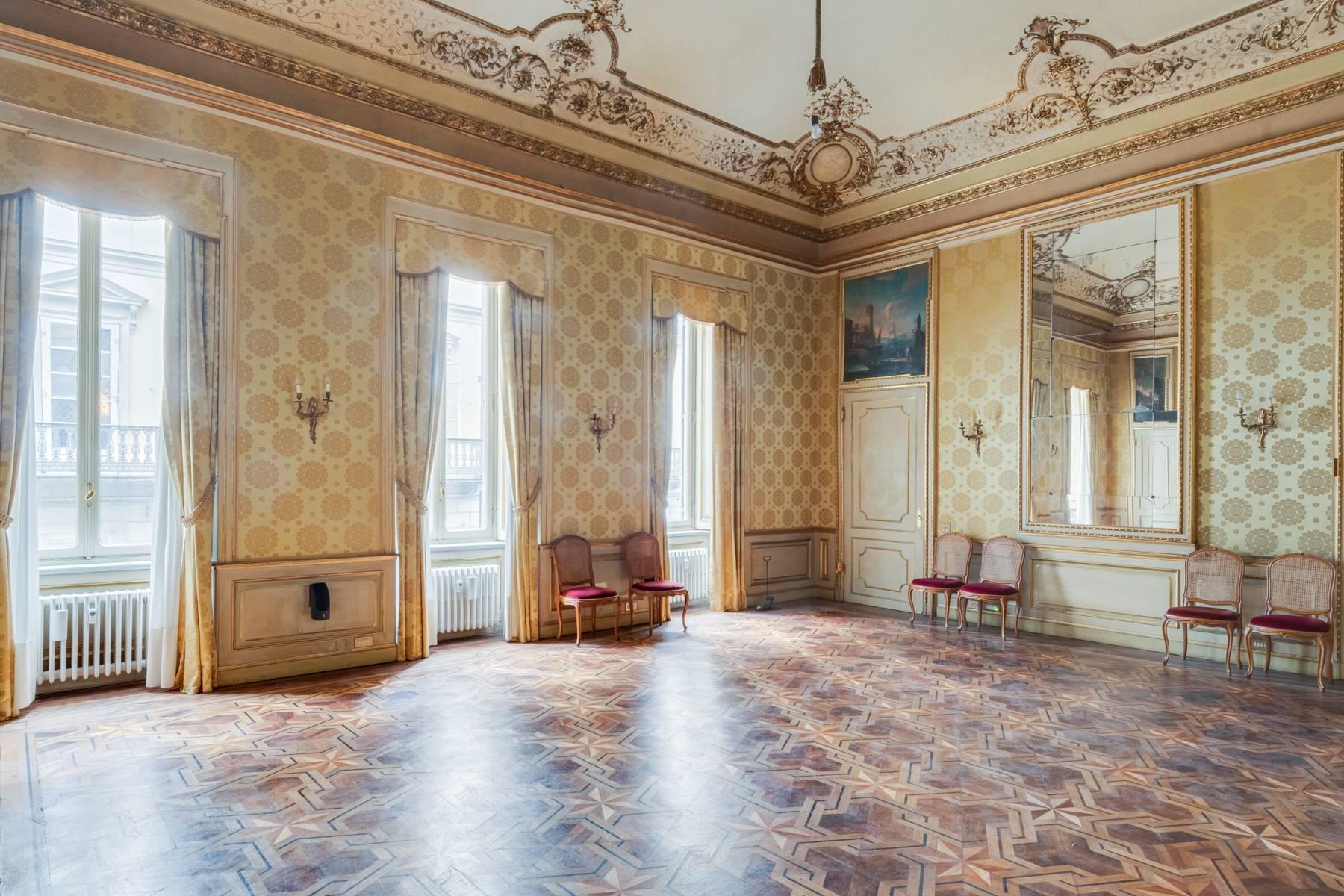 Luxus-Wohnung im historischen Palast - 7