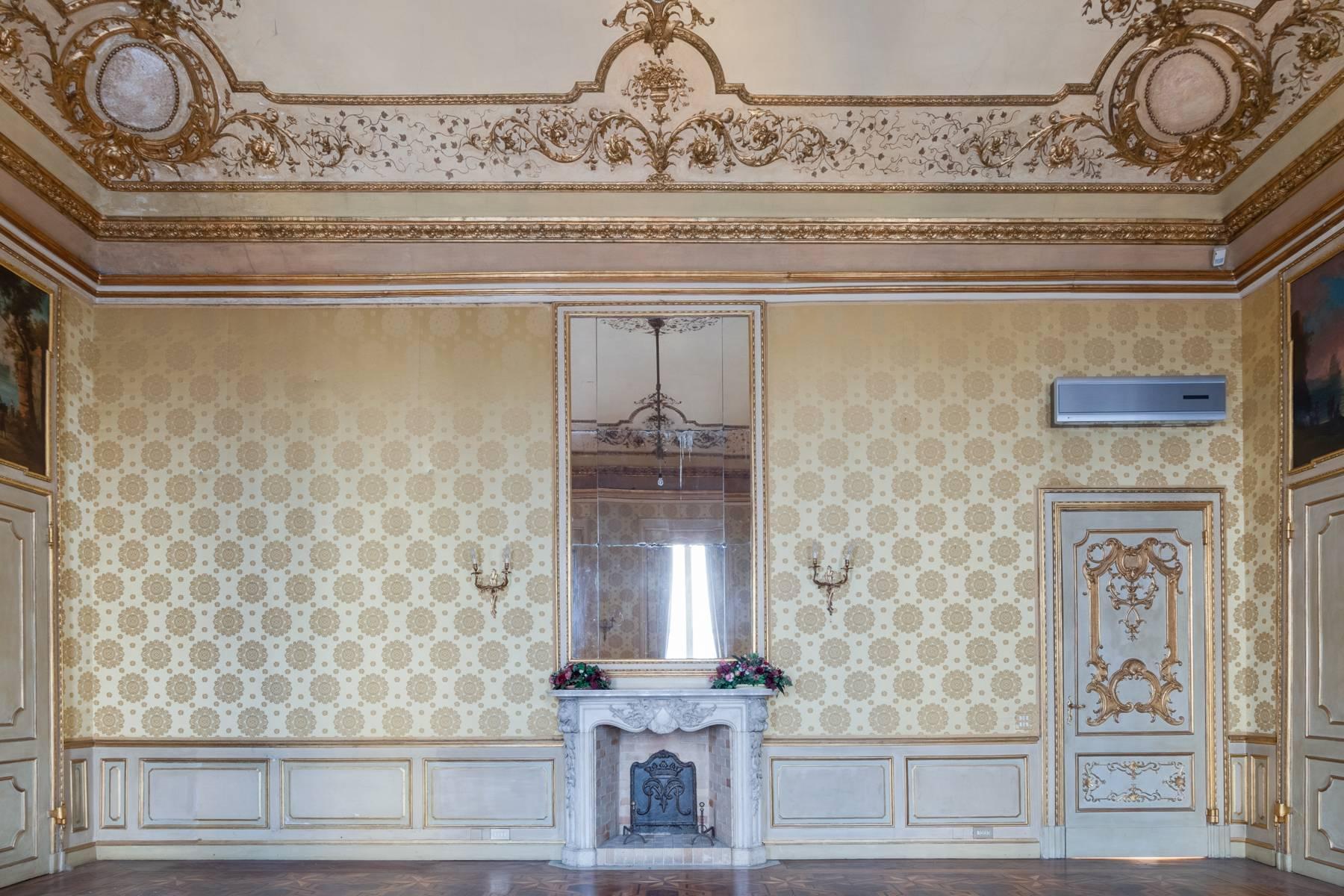 Luxus-Wohnung im historischen Palast - 9