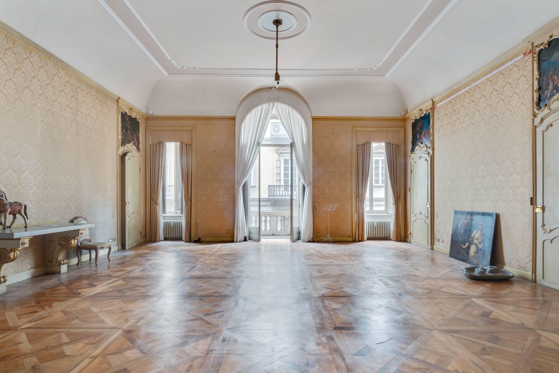 Luxus-Wohnung im historischen Palast - 4