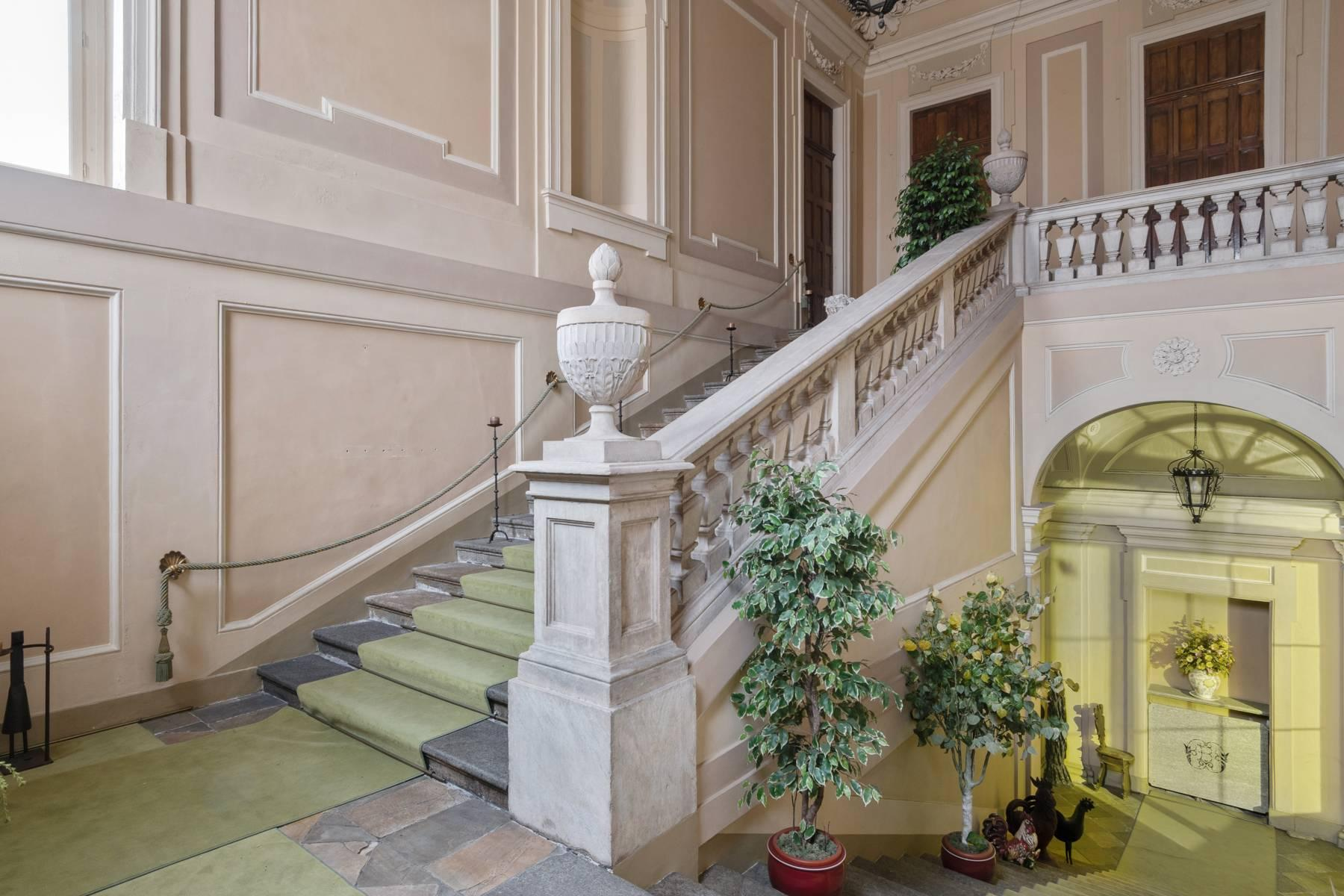 Luxus-Wohnung im historischen Palast - 2