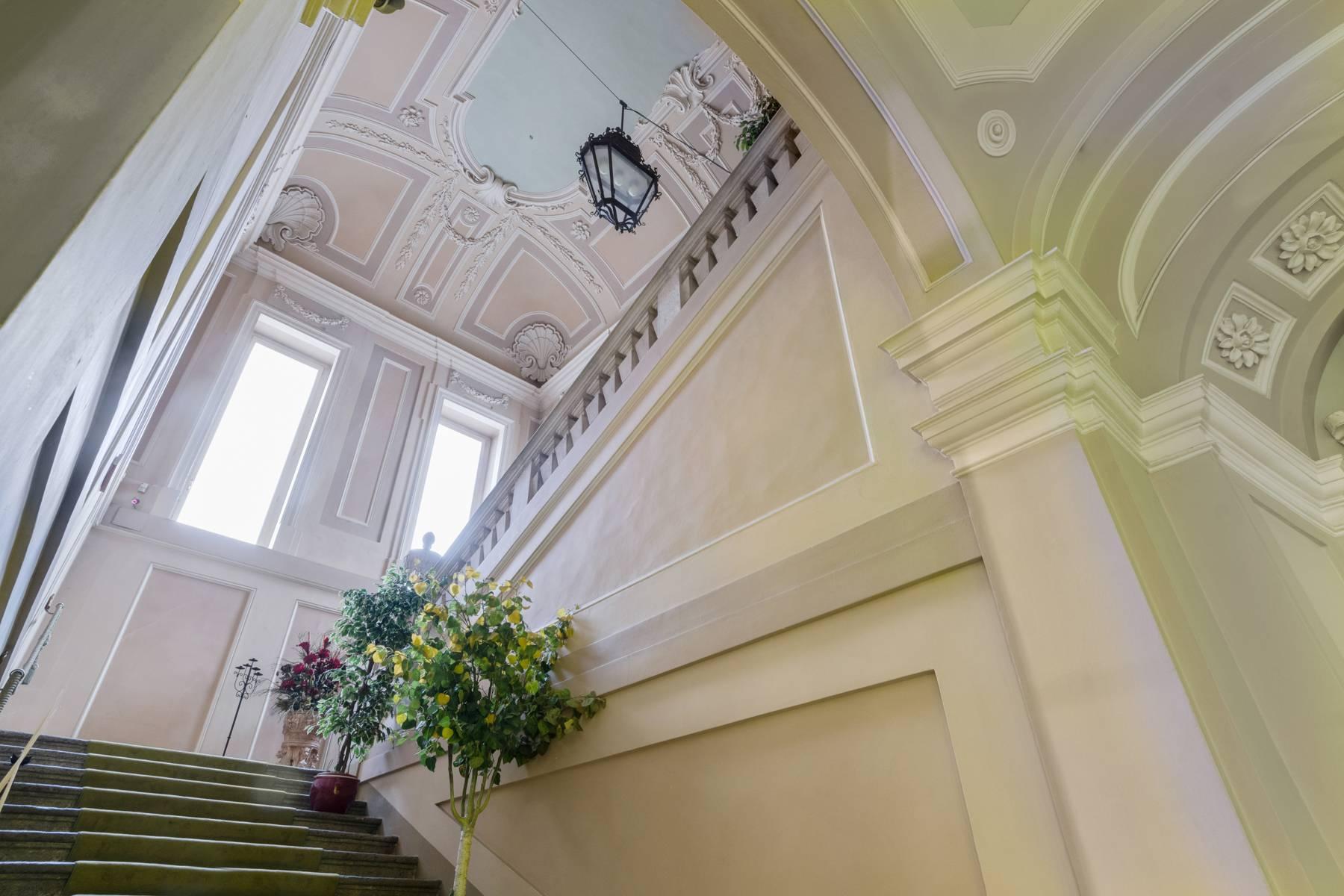 Luxus-Wohnung im historischen Palast - 3