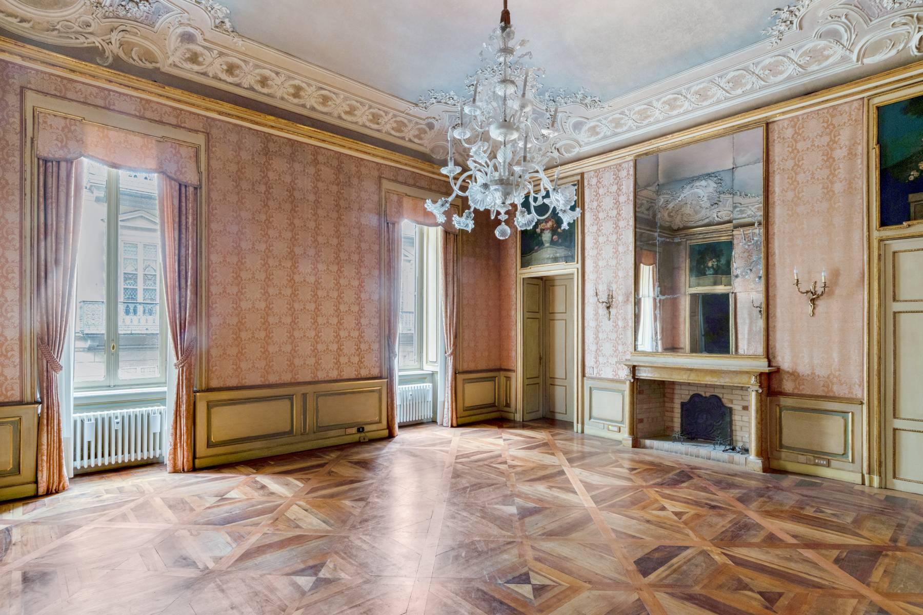 Luxus-Wohnung im historischen Palast - 14