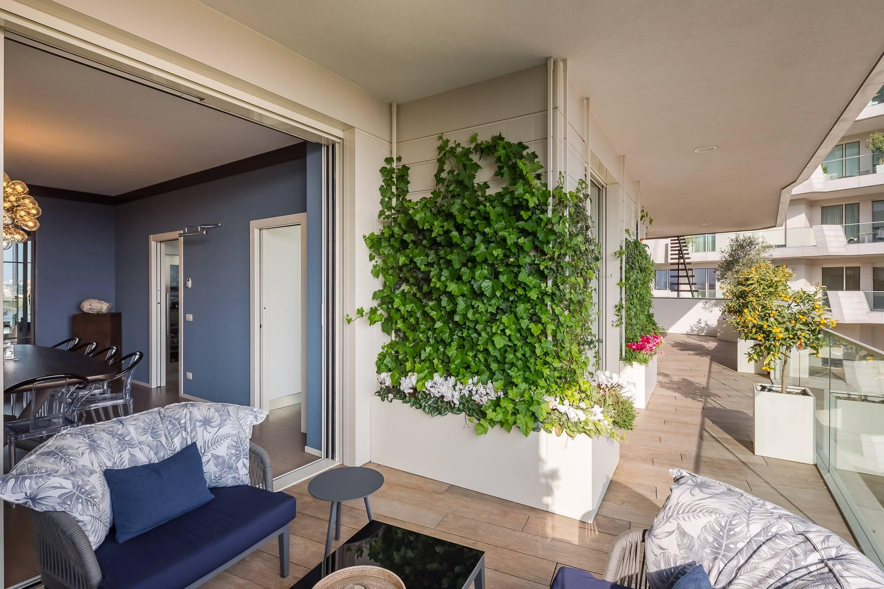 Wonderful apartment with terrace designer furniture in the City Life district - 40