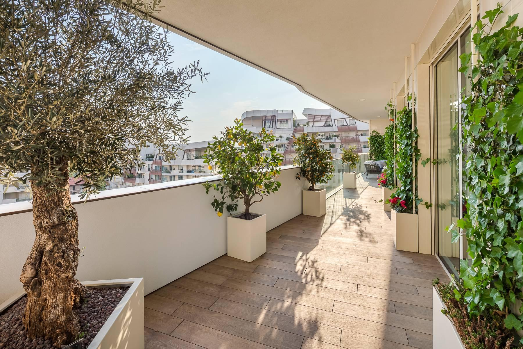 Wonderful apartment with terrace designer furniture in the City Life district - 42