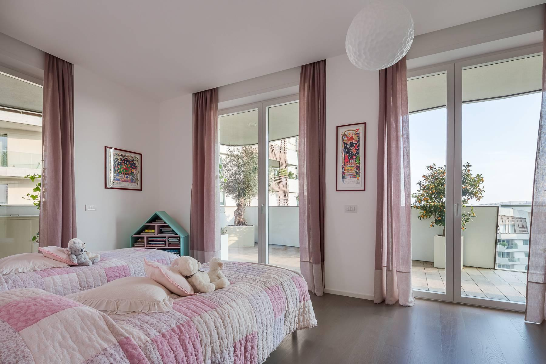 Wonderful apartment with terrace designer furniture in the City Life district - 21