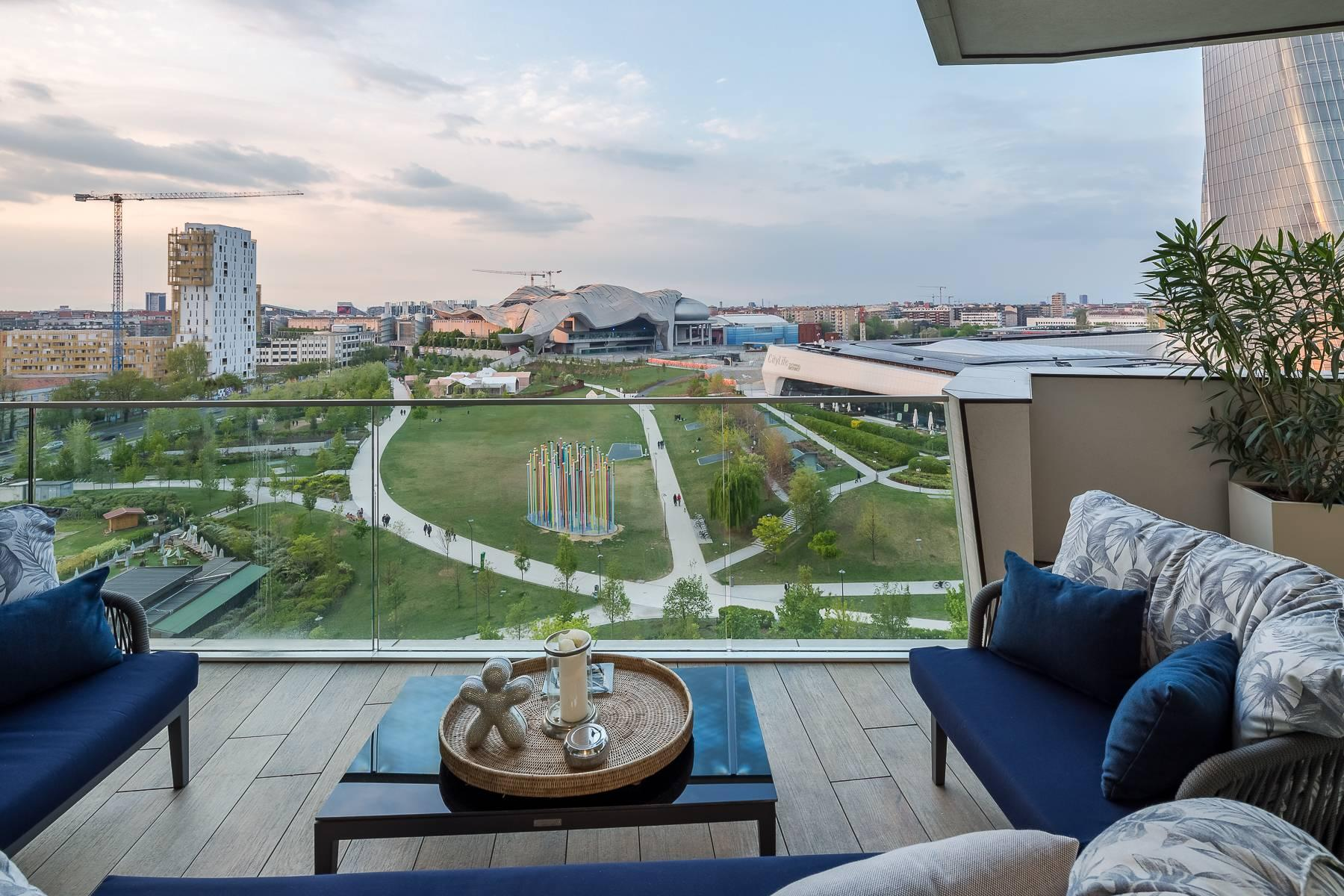 Wonderful apartment with terrace designer furniture in the City Life district - 19