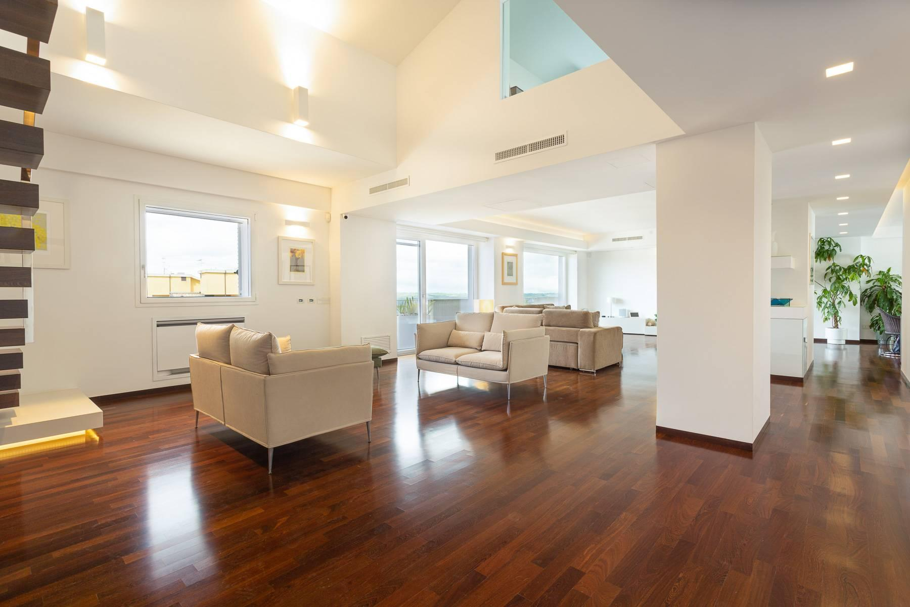 Exclusive penthouse with panoramic view - 2