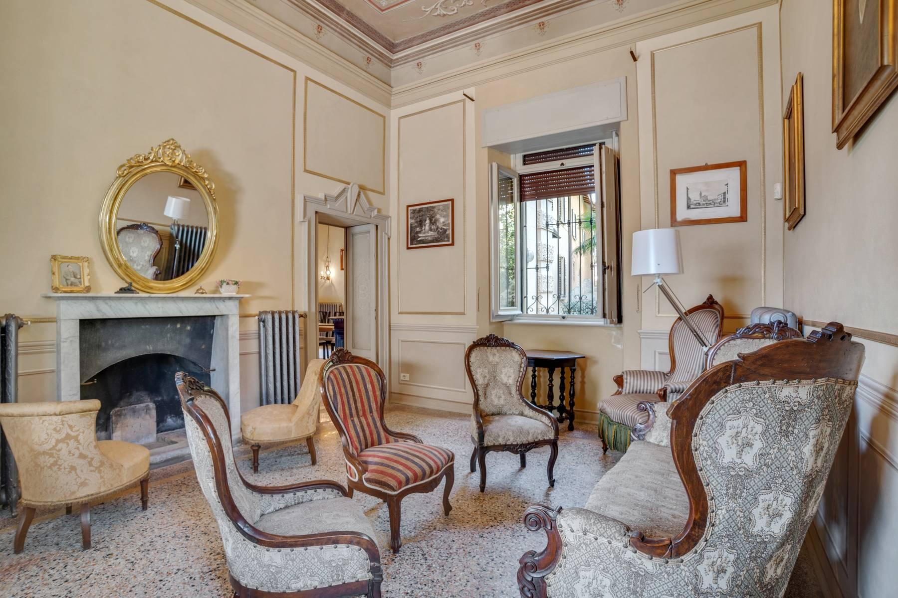 Elegant historic villa directly on the shore of Lake Como - 14