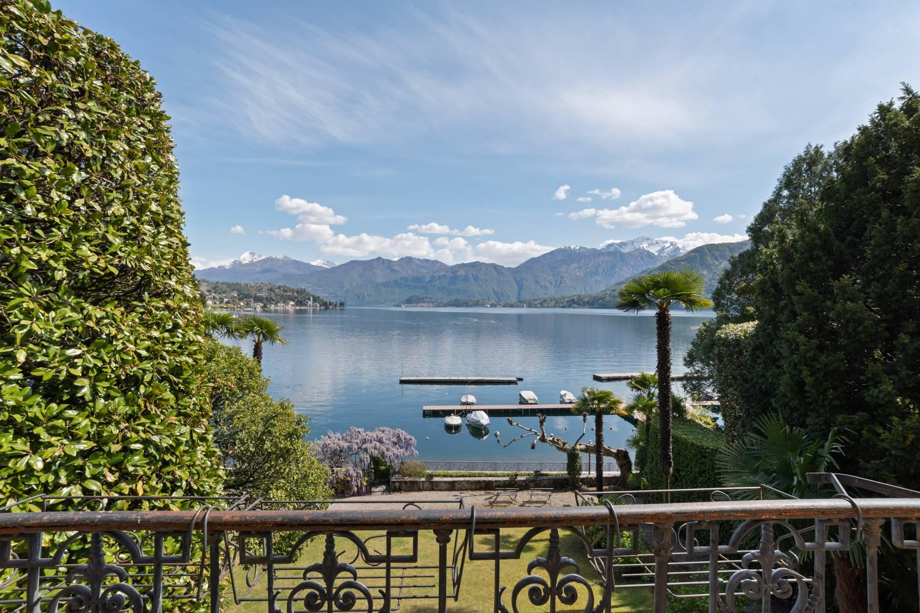 Elegant historic villa directly on the shore of Lake Como - 7