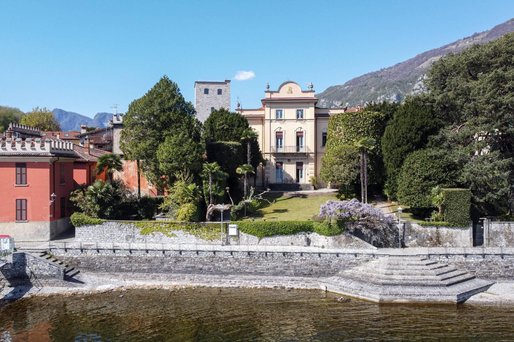 Elegant historic villa directly on the shore of Lake Como - 1