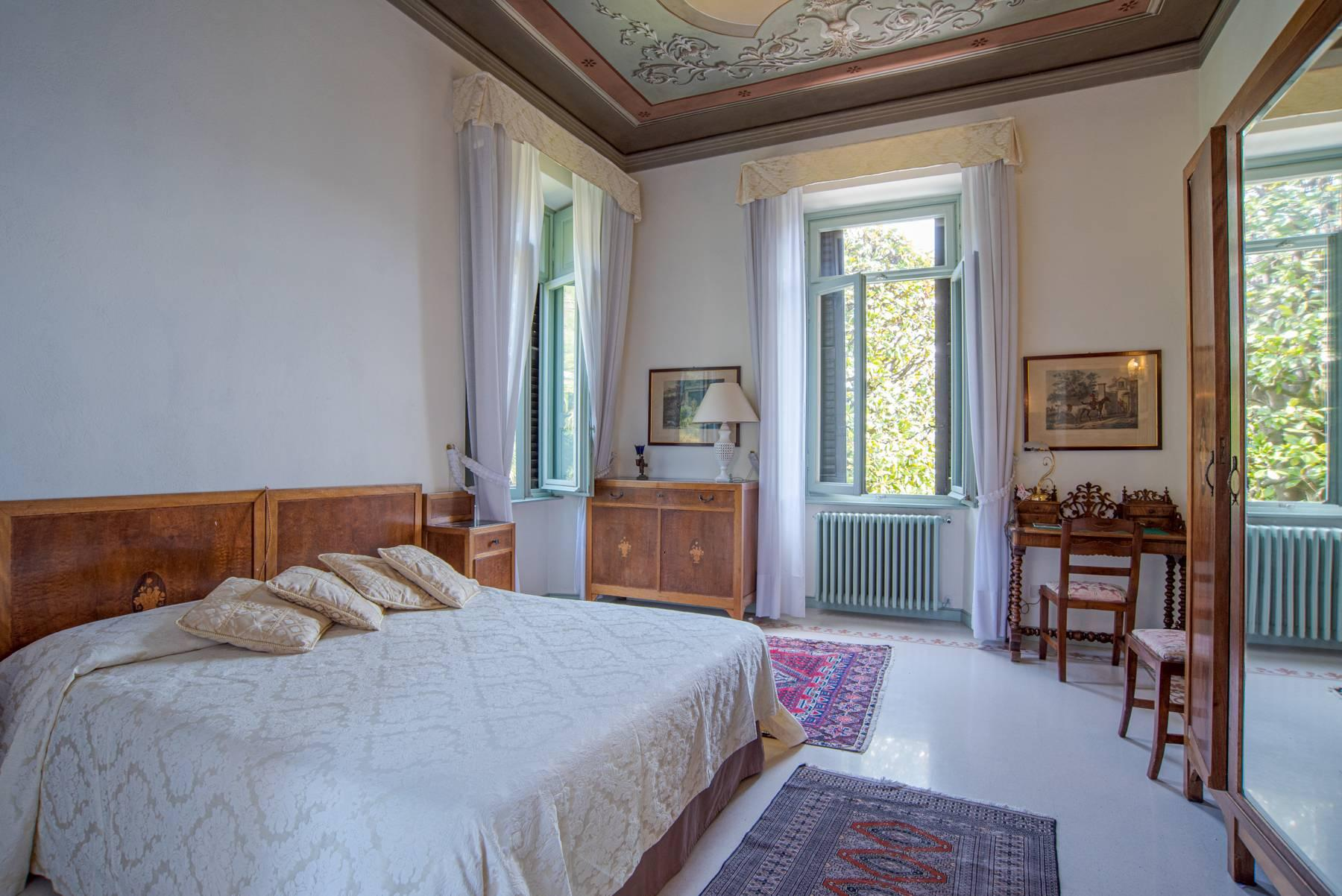 Elegant historic villa directly on the shore of Lake Como - 22