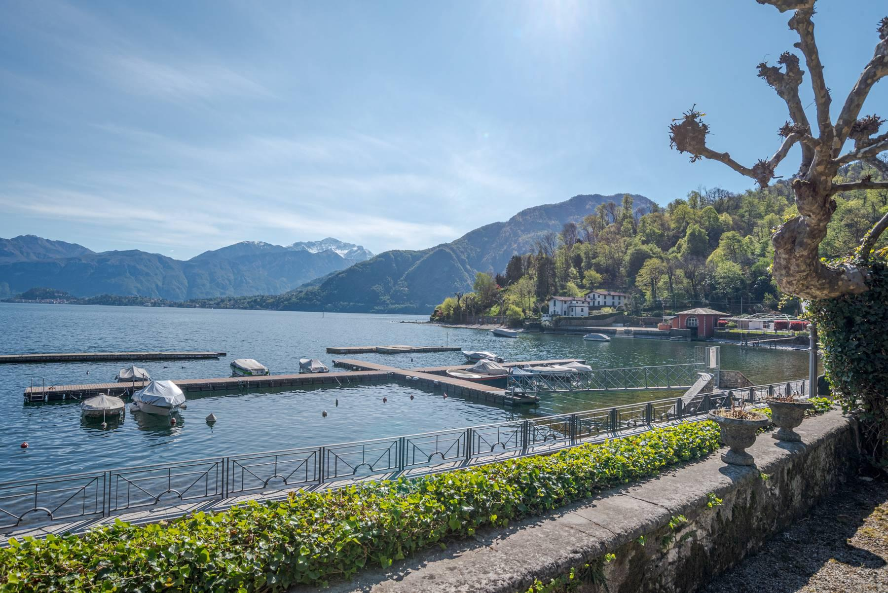 Elegant historic villa directly on the shore of Lake Como - 6