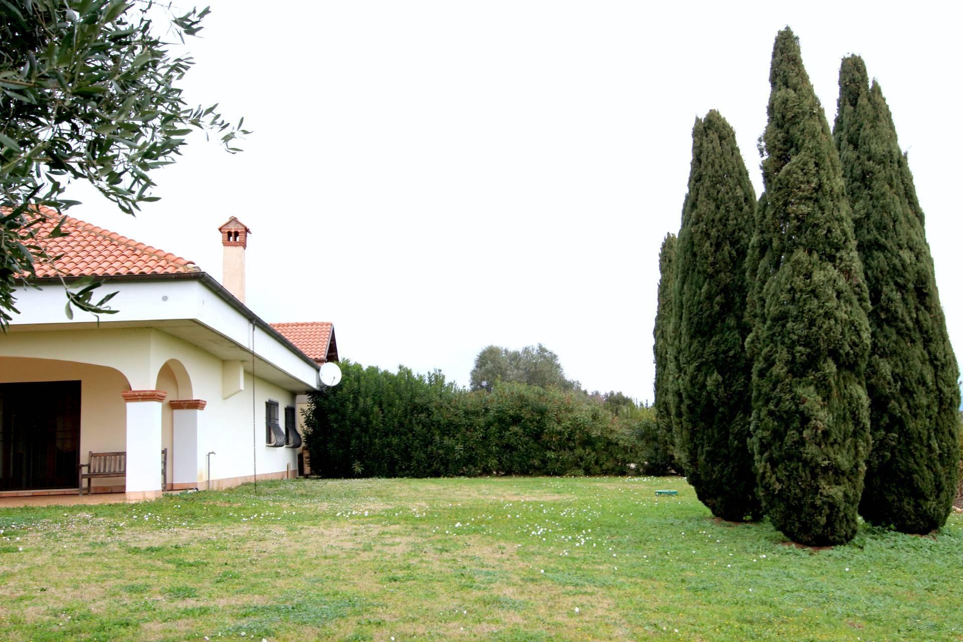 Bauernhaus inmitten von Grün - 23
