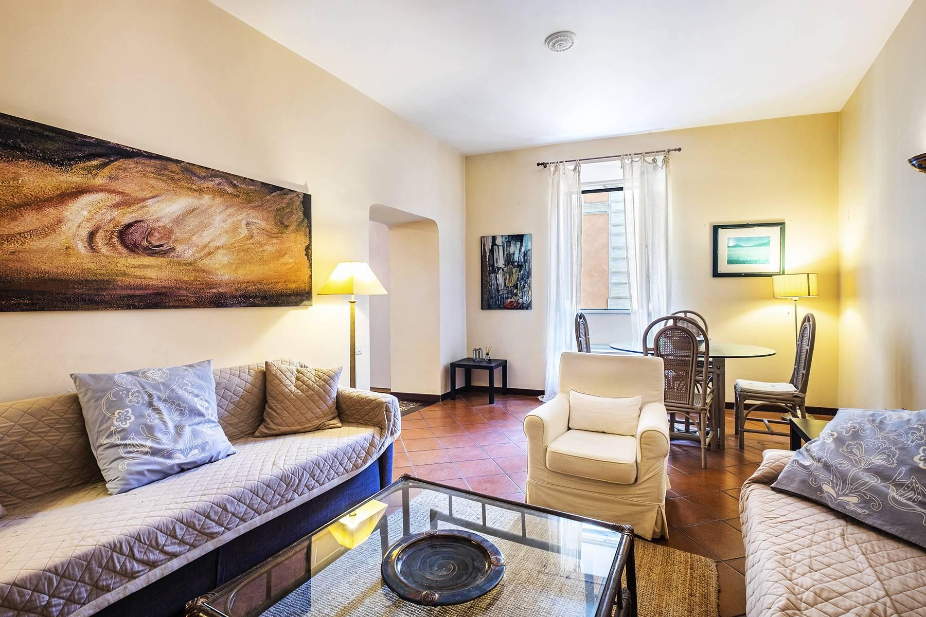 Charming apartment a stone's throw from the Palatine Hill - 2