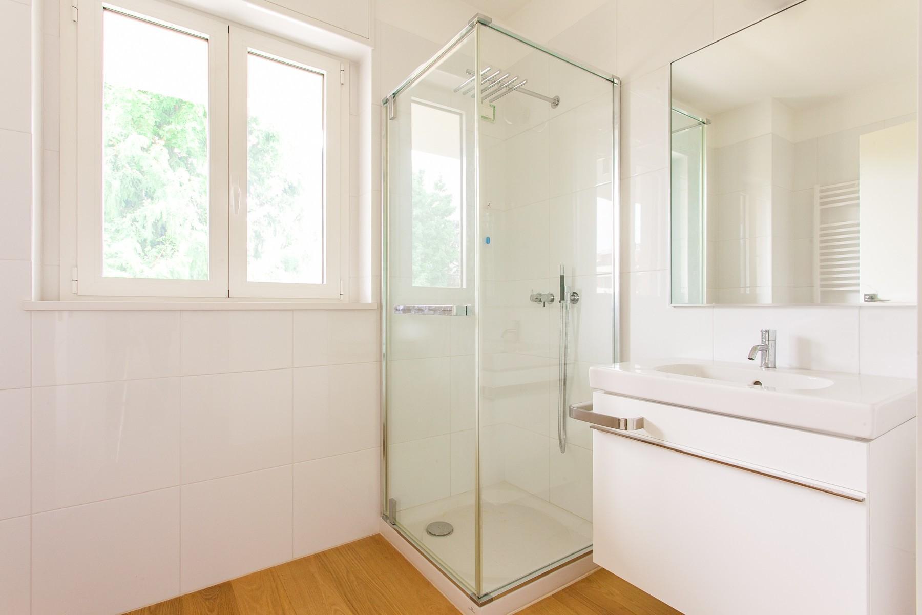 Neue moderne Wohnung mit geräumiger Terrasse - 11