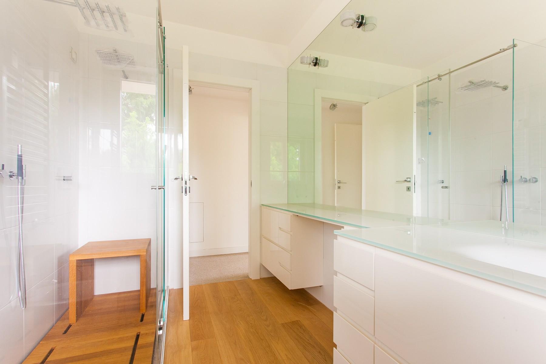Neue moderne Wohnung mit geräumiger Terrasse - 12