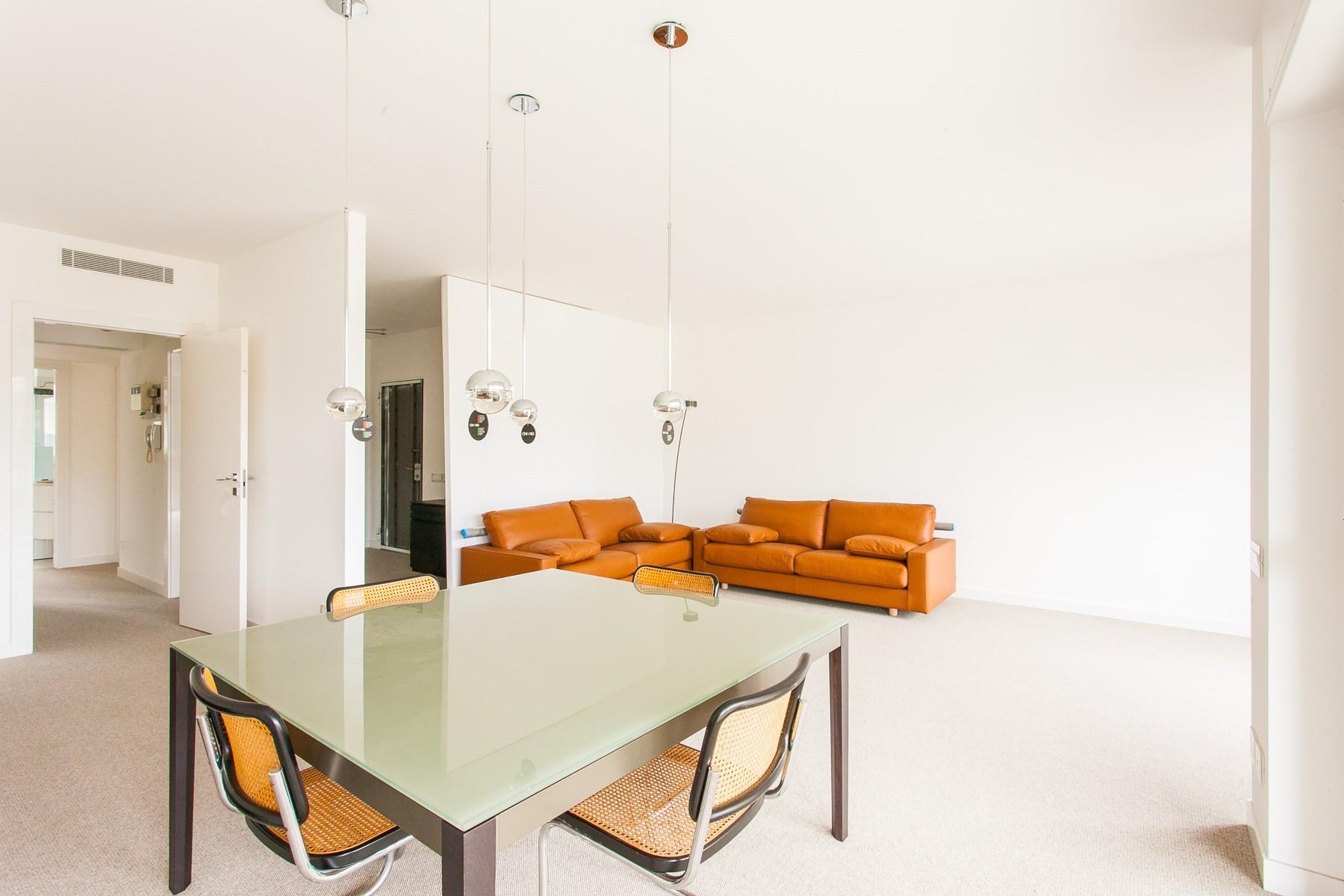 New modern apartment with large terrace - 5