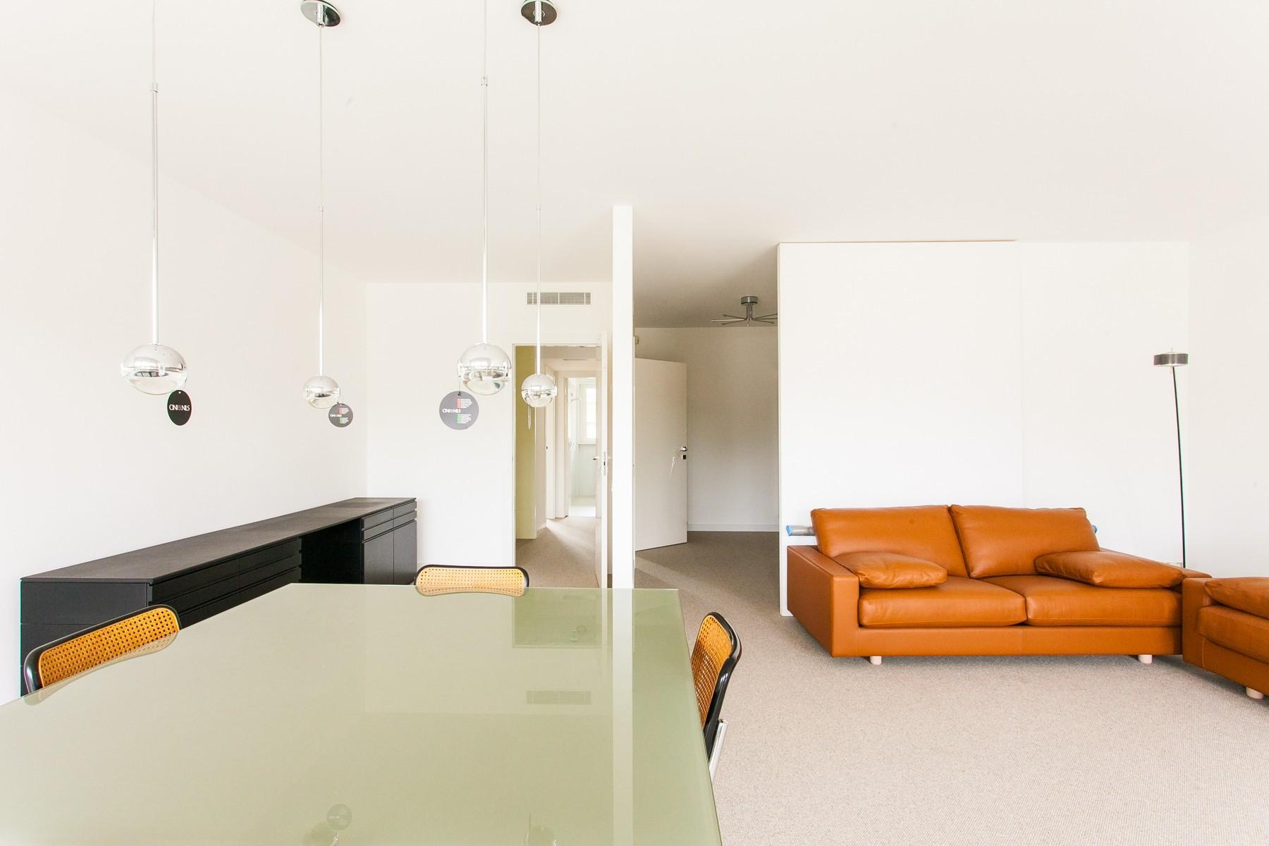 New modern apartment with large terrace - 3