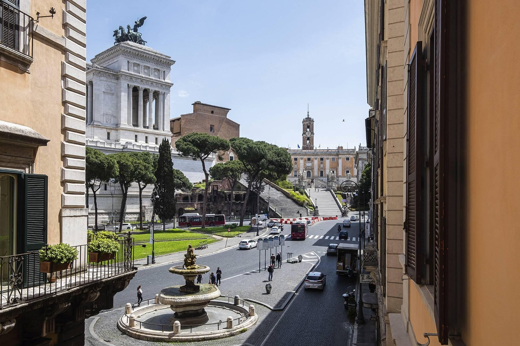 Elegant apartment overlooking the Capitoline hill - 1