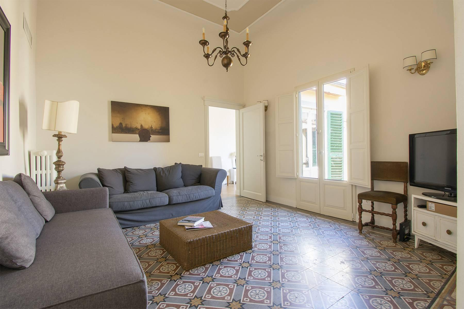 Bright apartment with terrace and magnificent views in the historic centre of Florence - 7