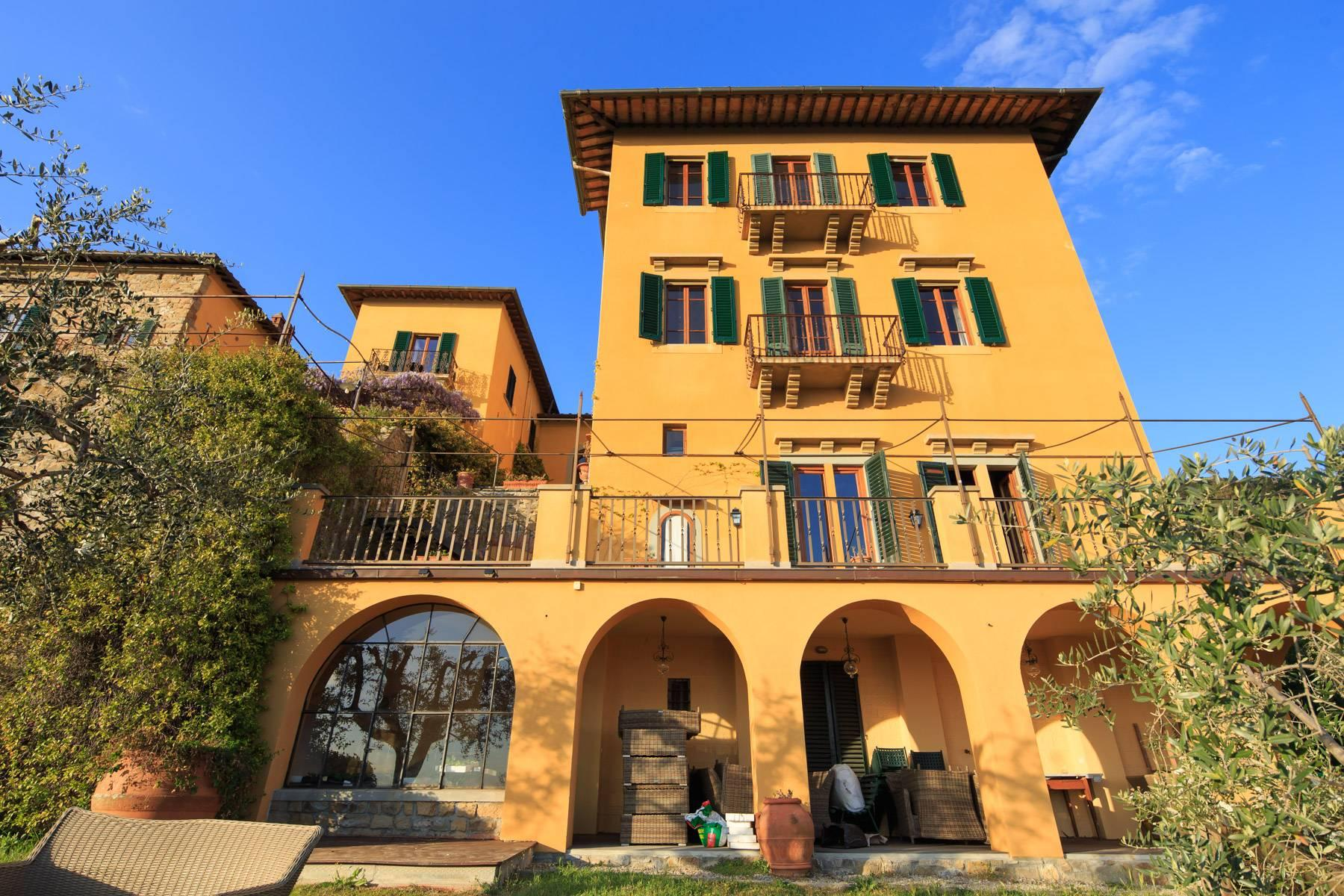 Large historic landmark mansion with the most stunning views over Florence - 25