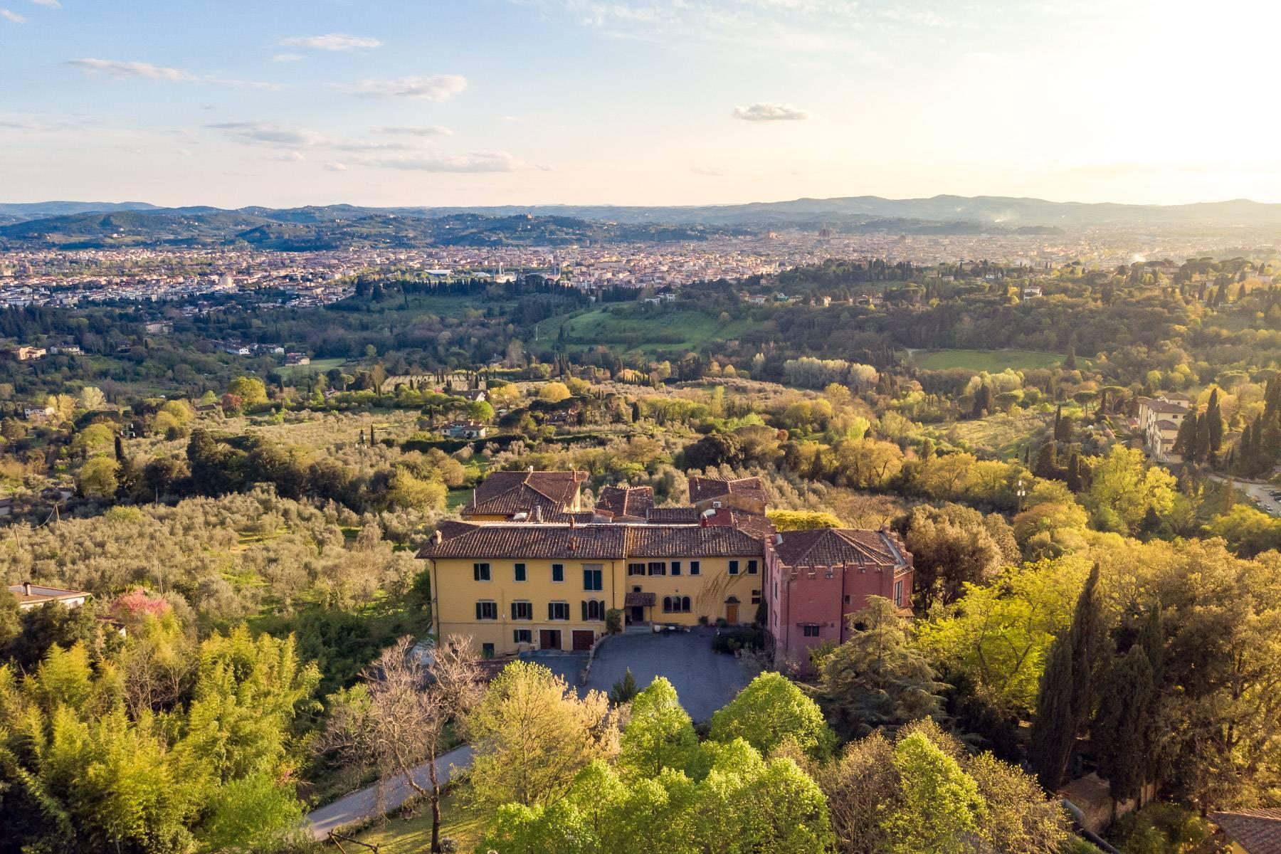 Große historische Villa in Fiesole mit einem unvergleichlichen Blick auf Florenz - 2