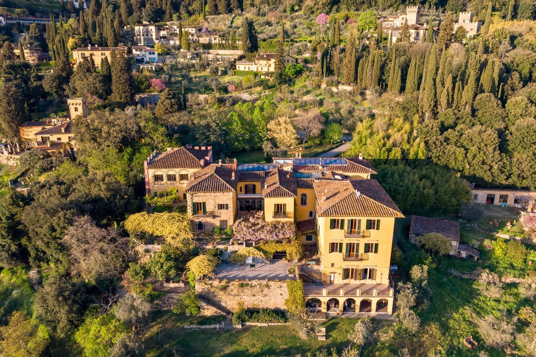 Große historische Villa in Fiesole mit einem unvergleichlichen Blick auf Florenz - 1