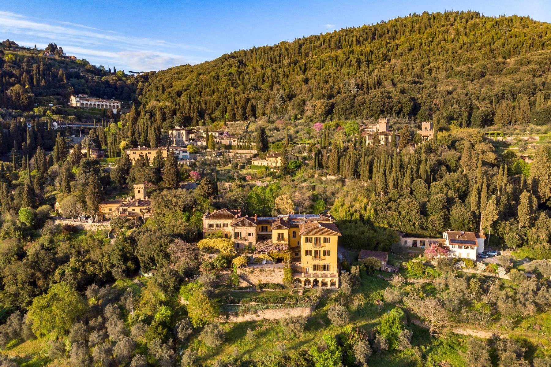 Large historic landmark mansion with the most stunning views over Florence - 40