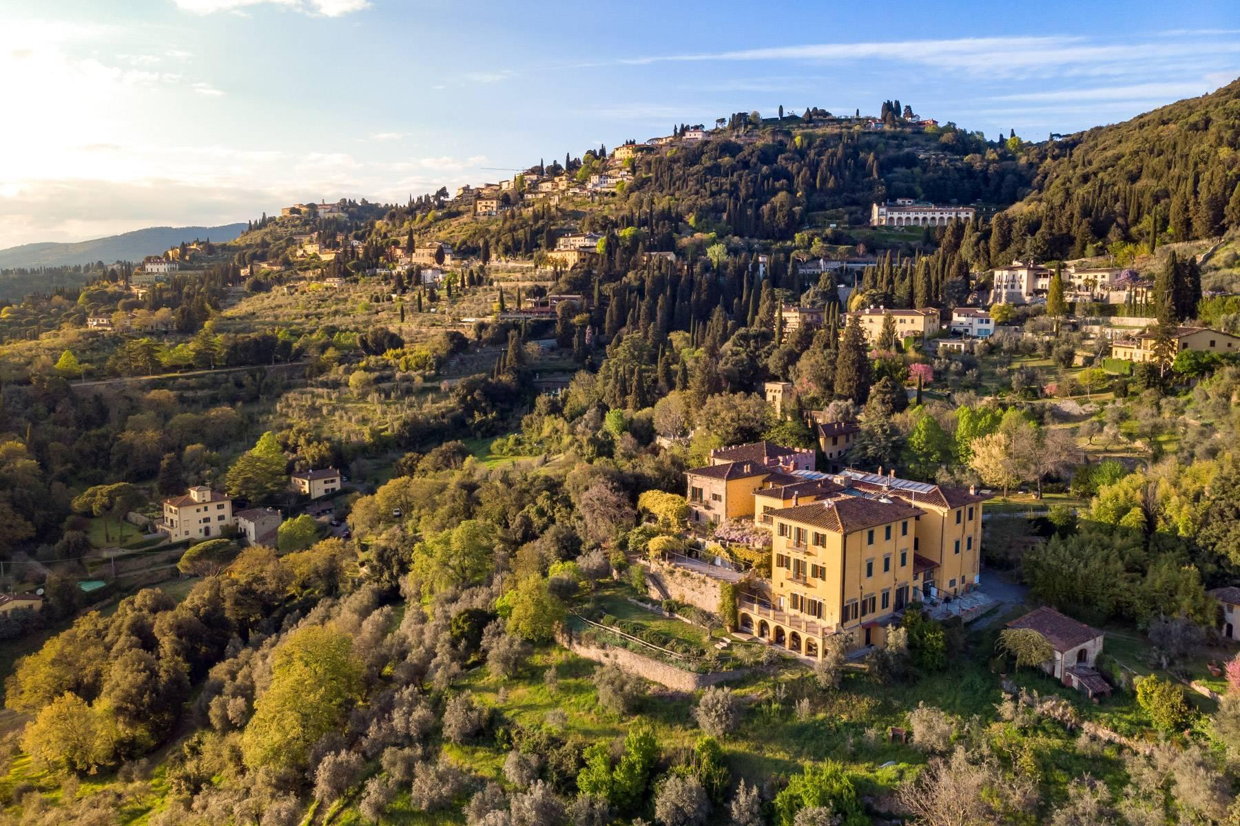 Large historic landmark mansion with the most stunning views over Florence - 42