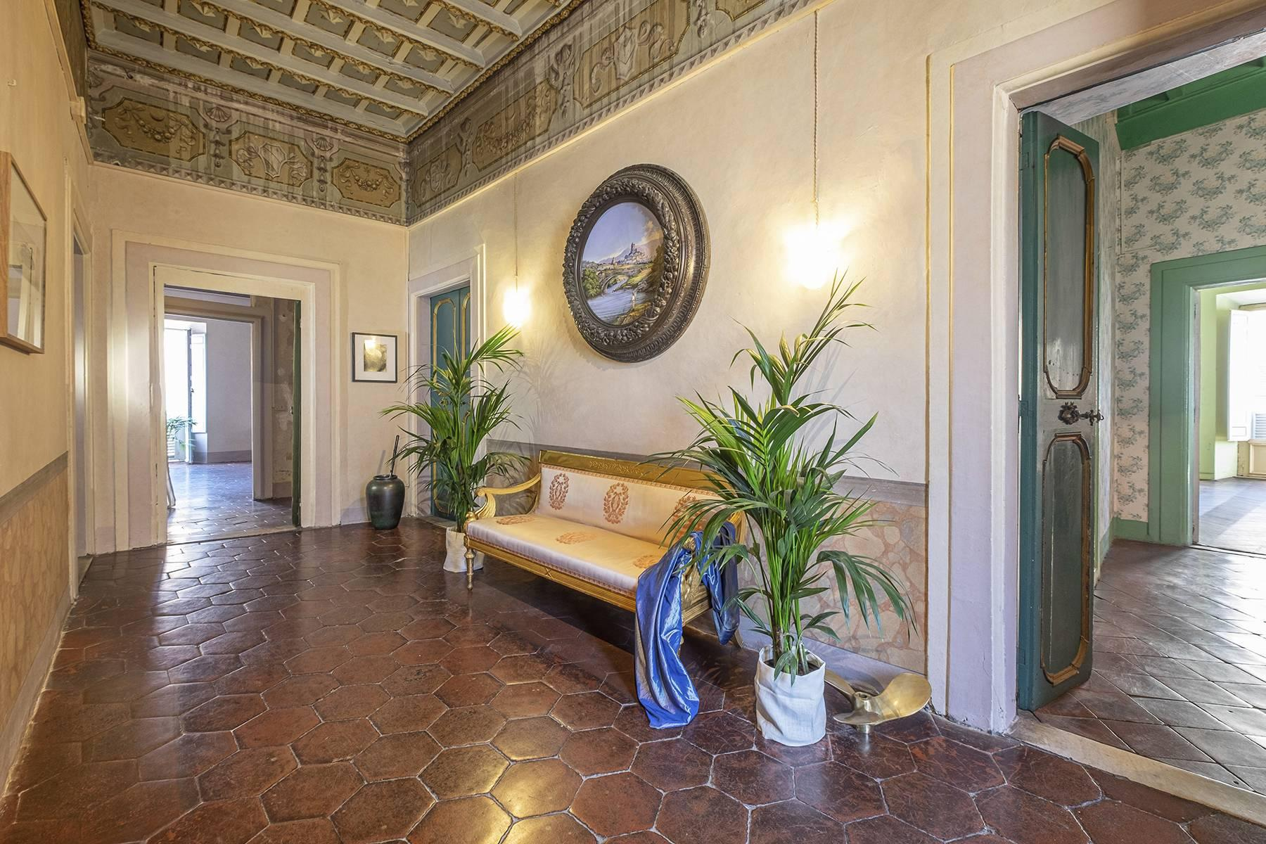 Magnificent apartment  in historical property - 2