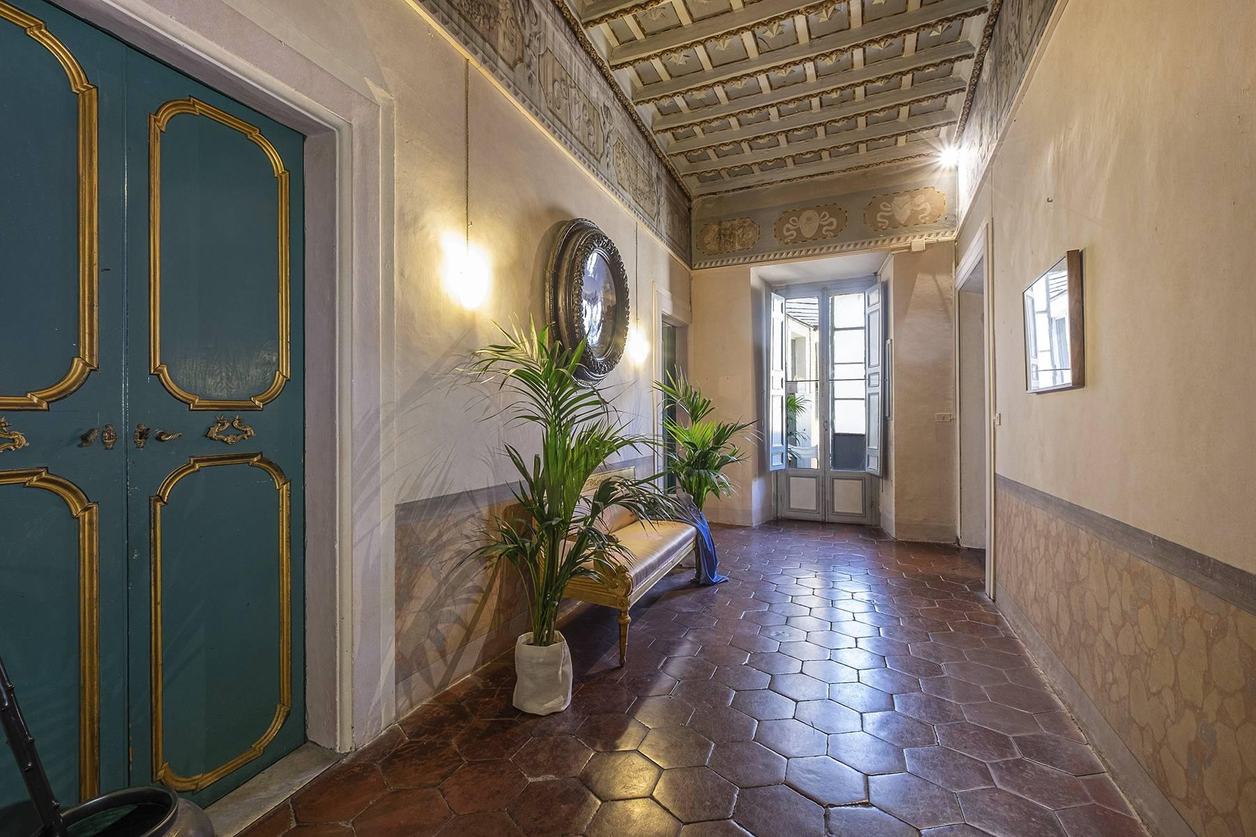 Magnificent apartment  in historical property - 3