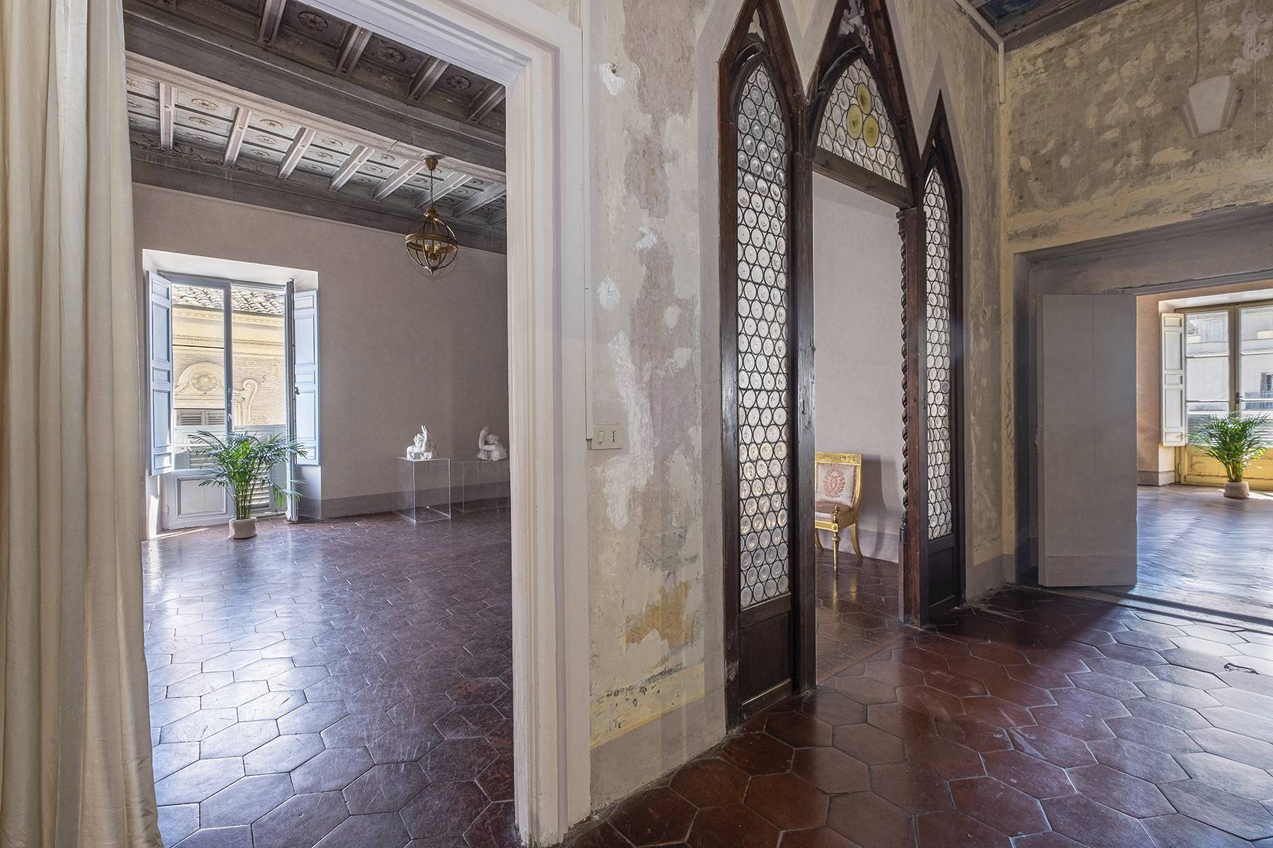 Magnificent apartment  in historical property - 4