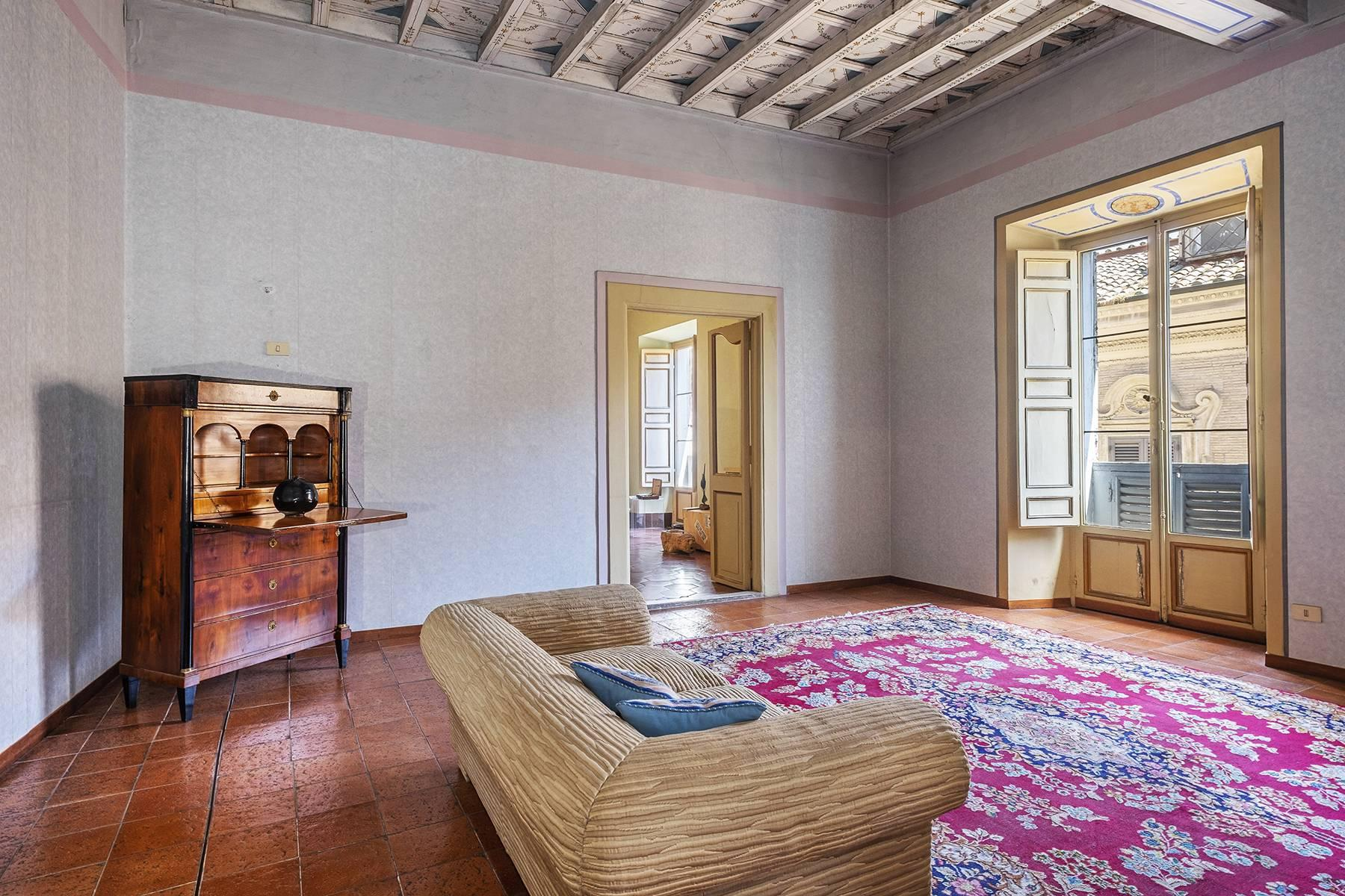 Magnificent apartment in historical property - 16