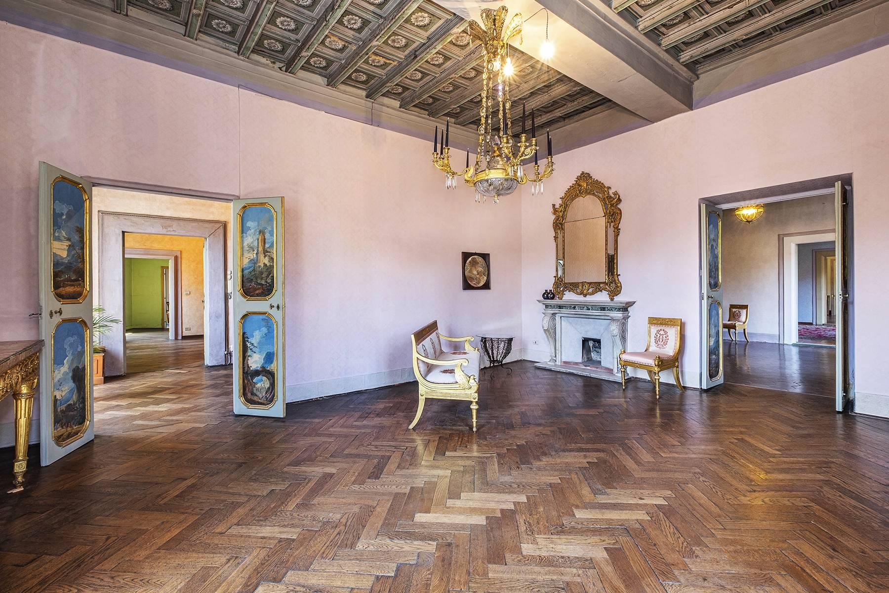Magnificent apartment in historical property - 9